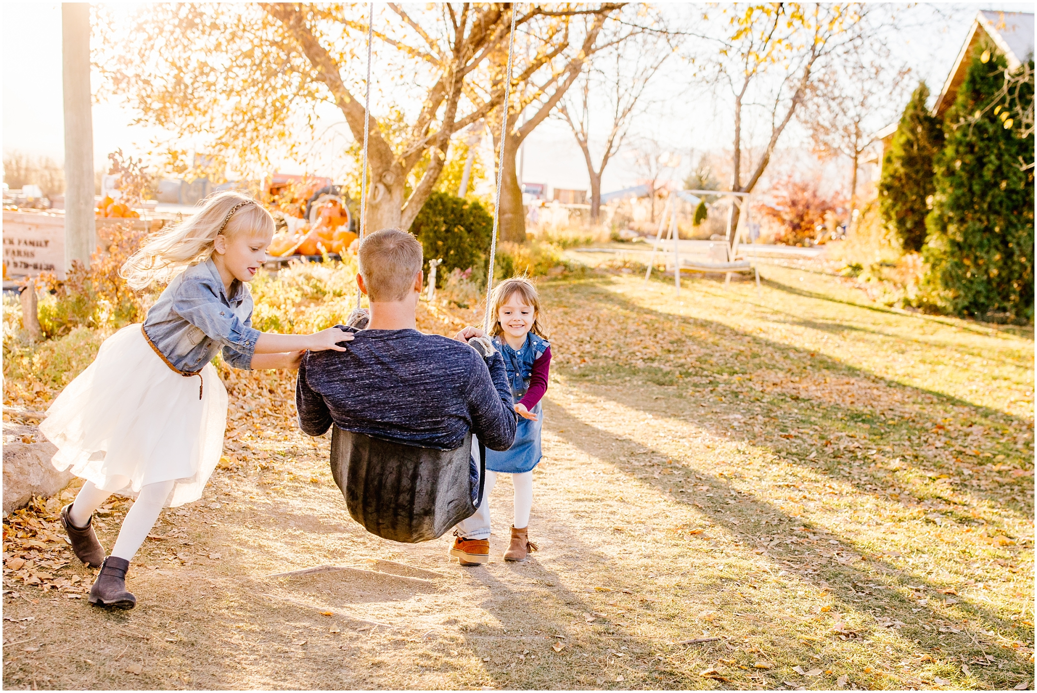 Lizzie-B-Imagery-Utah-Wedding-Photographer-Thanksgiving-Point-Payson-Temple_0101.jpg