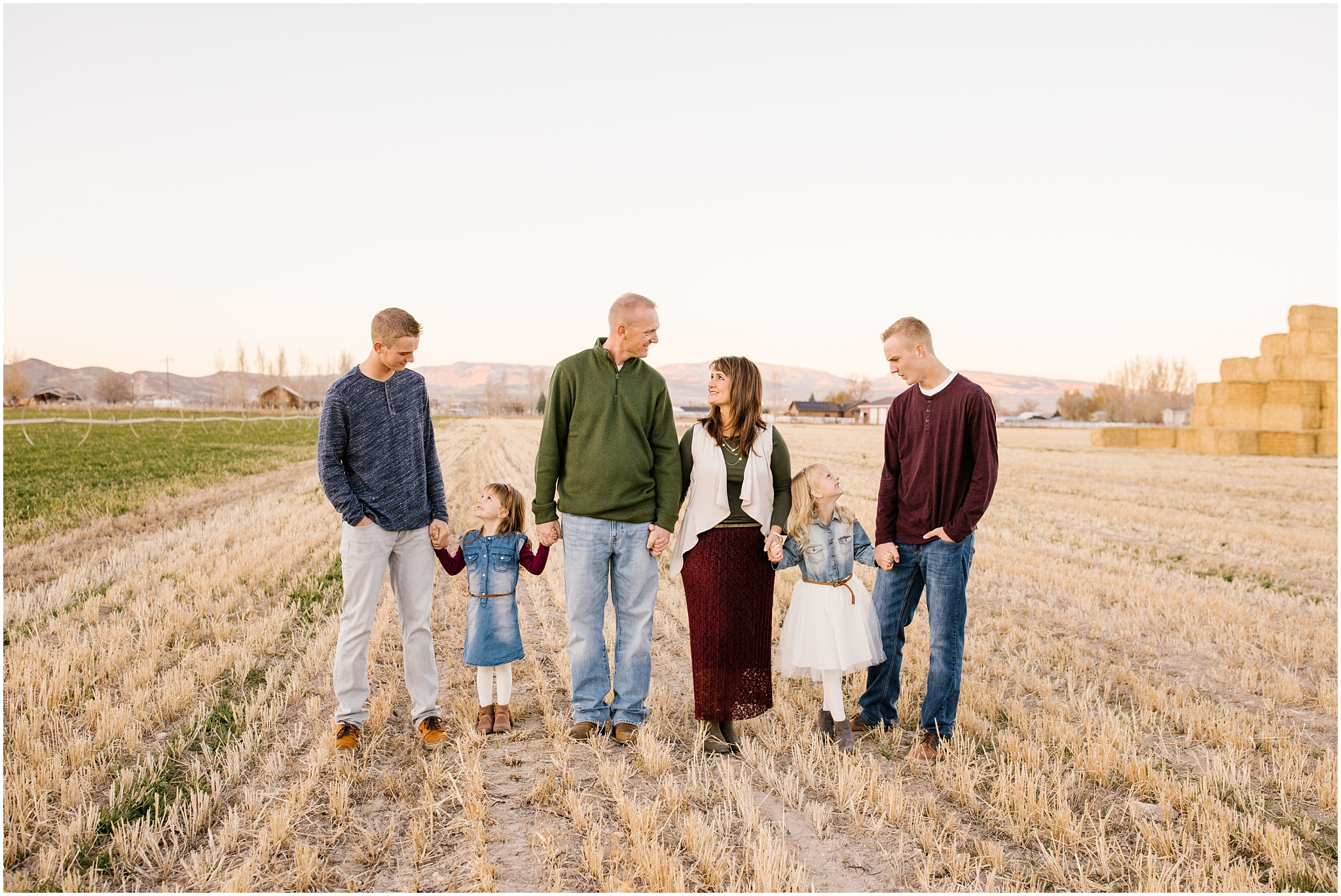 Lizzie-B-Imagery-Utah-Wedding-Photographer-Thanksgiving-Point-Payson-Temple_0110.jpg