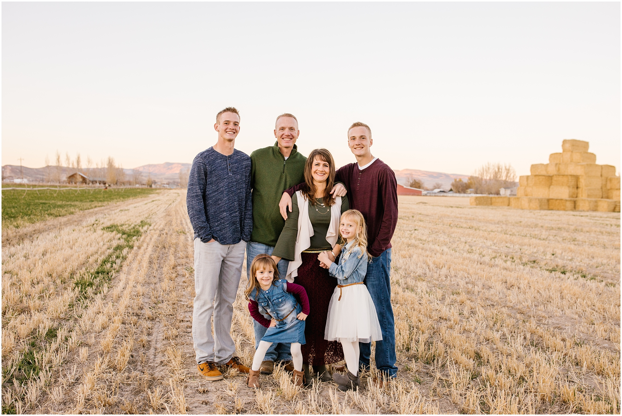 Lizzie-B-Imagery-Utah-Wedding-Photographer-Thanksgiving-Point-Payson-Temple_0111.jpg
