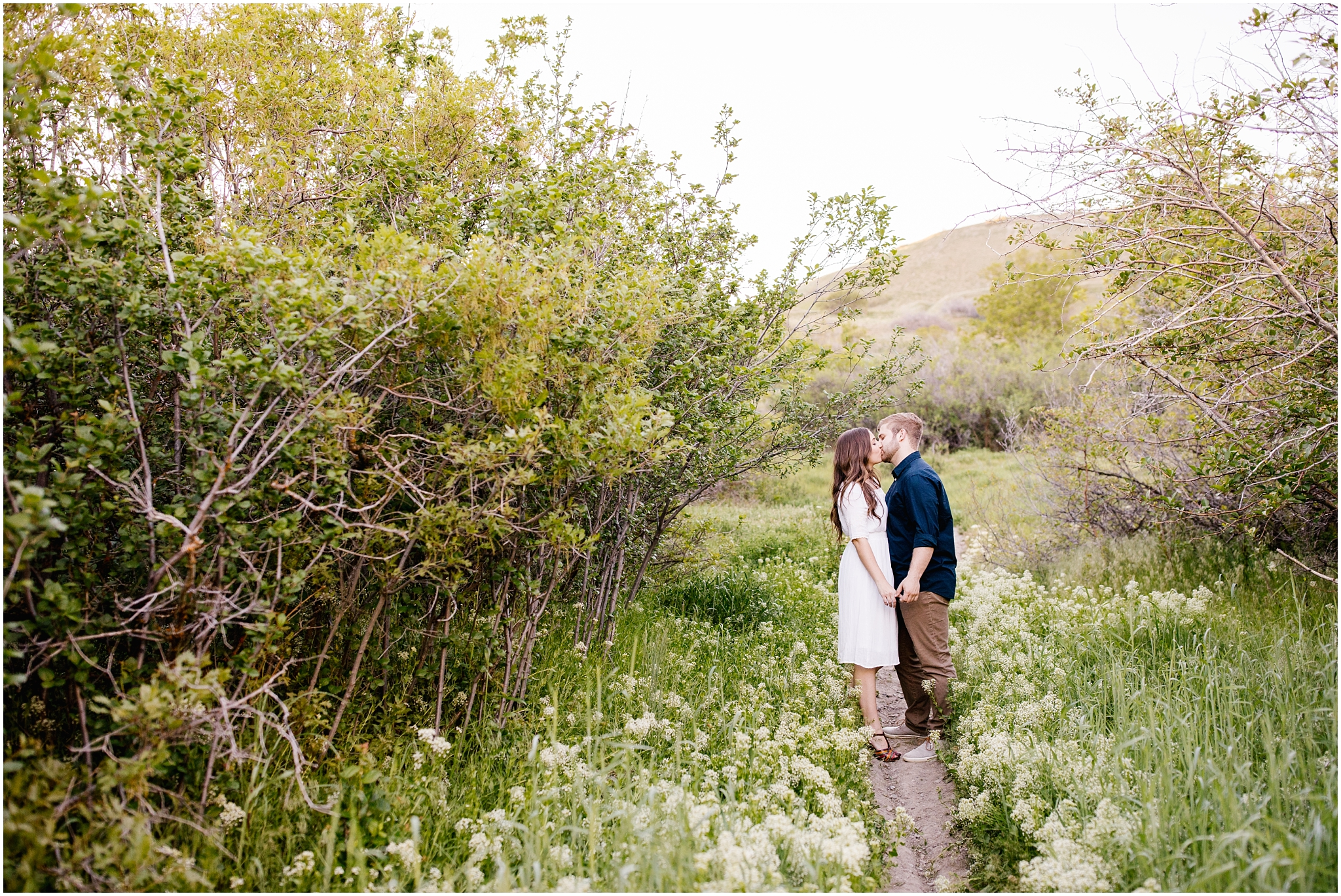 Lizzie-B-Imagery-Utah-Wedding-Photographer-Thanksgiving-Point-Payson-Temple_0141.jpg