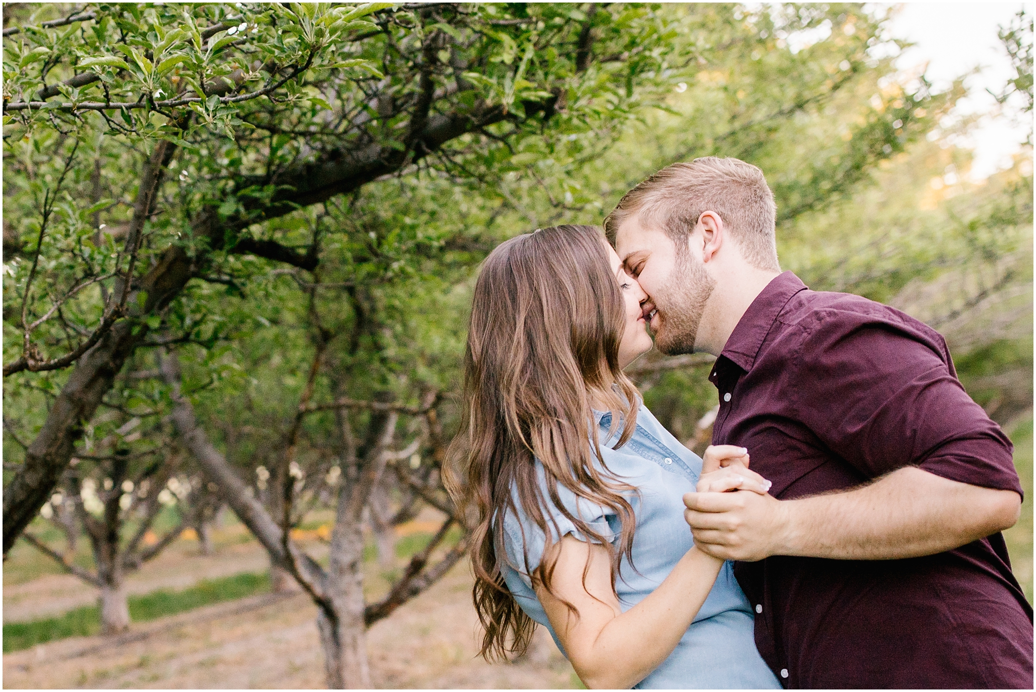Lizzie-B-Imagery-Utah-Wedding-Photographer-Thanksgiving-Point-Payson-Temple_0157.jpg