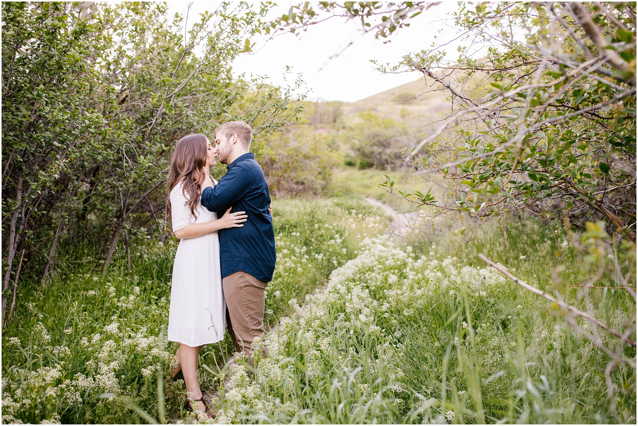 Lizzie-B-Imagery-Utah-Wedding-Photographer-Thanksgiving-Point-Payson-Temple_0163.jpg