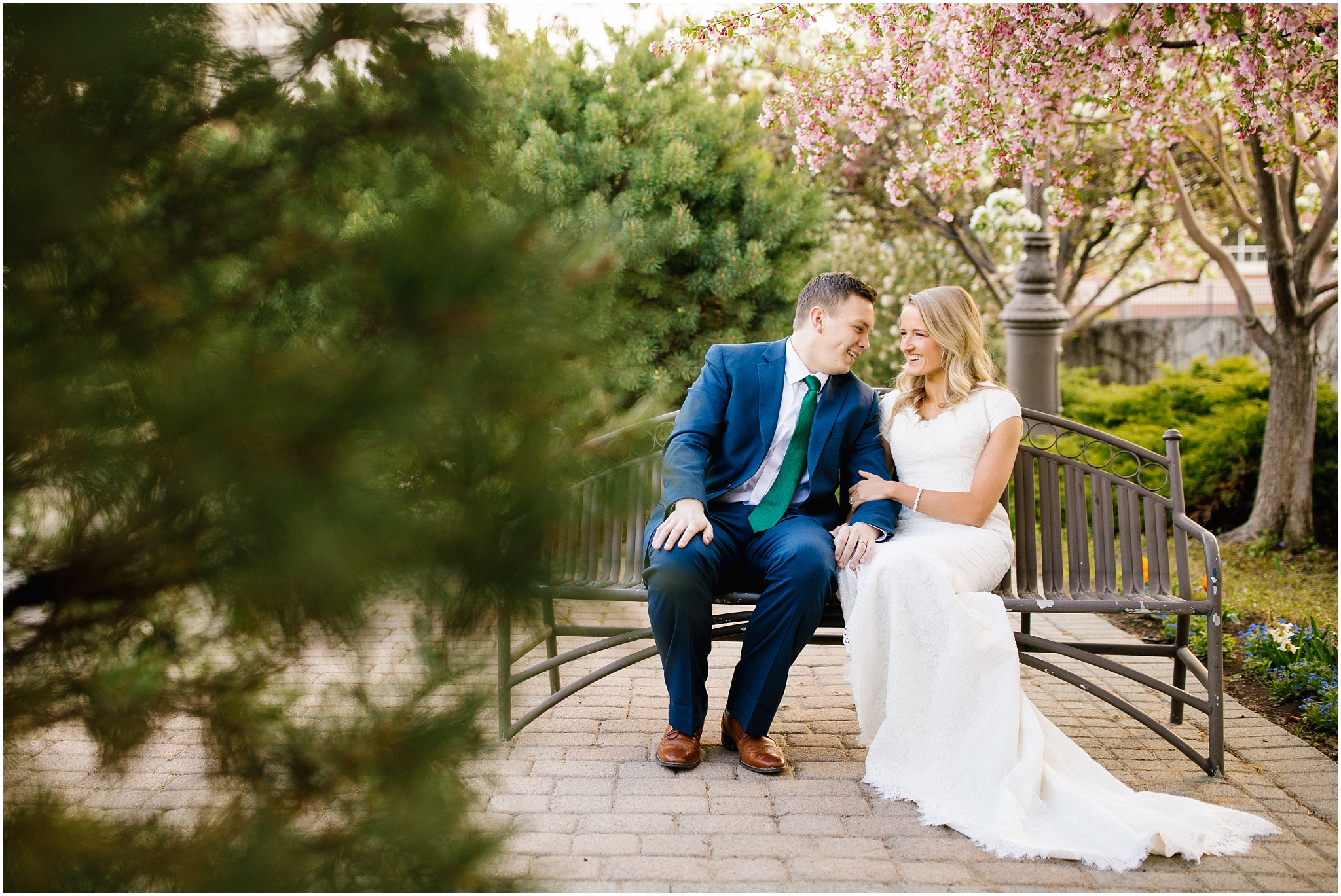 Lizzie-B-Imagery-Utah-Wedding-Photographer-Thanksgiving-Point-Payson-Temple_0010.jpg