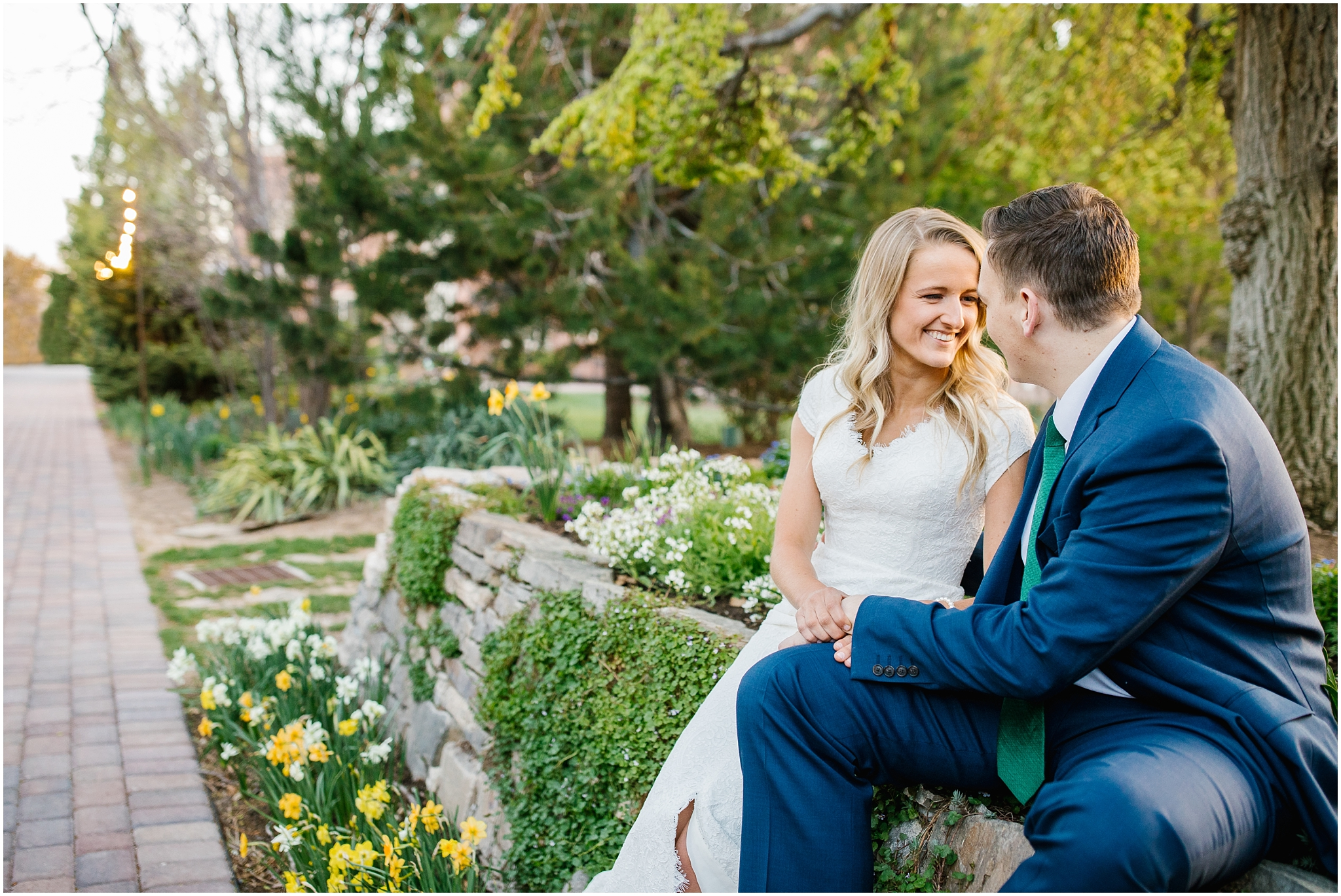 Lizzie-B-Imagery-Utah-Wedding-Photographer-Thanksgiving-Point-Payson-Temple_0022.jpg
