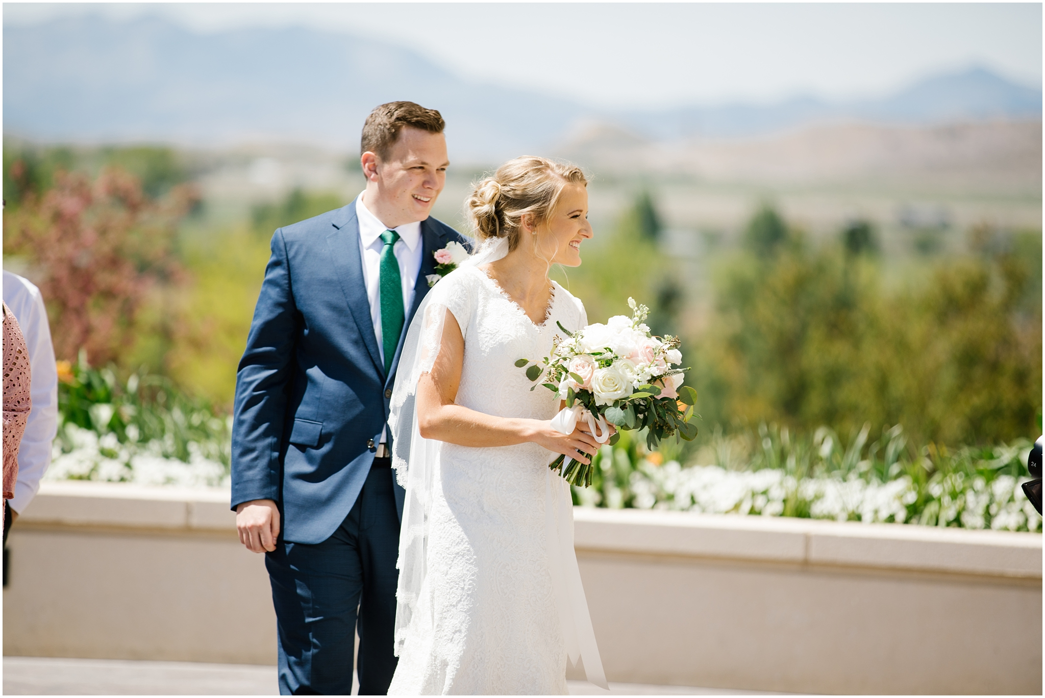 Lizzie-B-Imagery-Utah-Wedding-Photographer-Thanksgiving-Point-Payson-Temple_0034.jpg