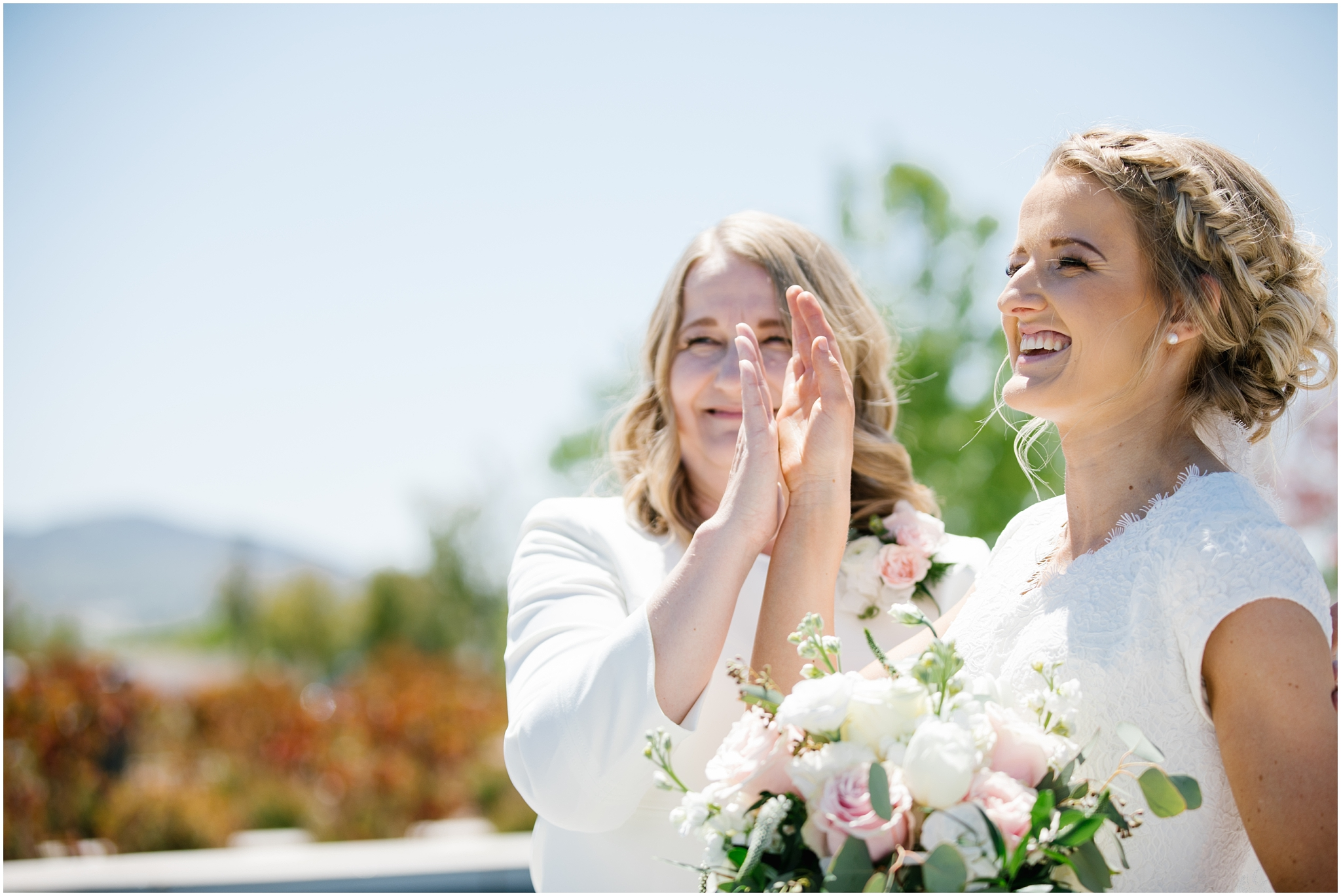 Lizzie-B-Imagery-Utah-Wedding-Photographer-Thanksgiving-Point-Payson-Temple_0046.jpg