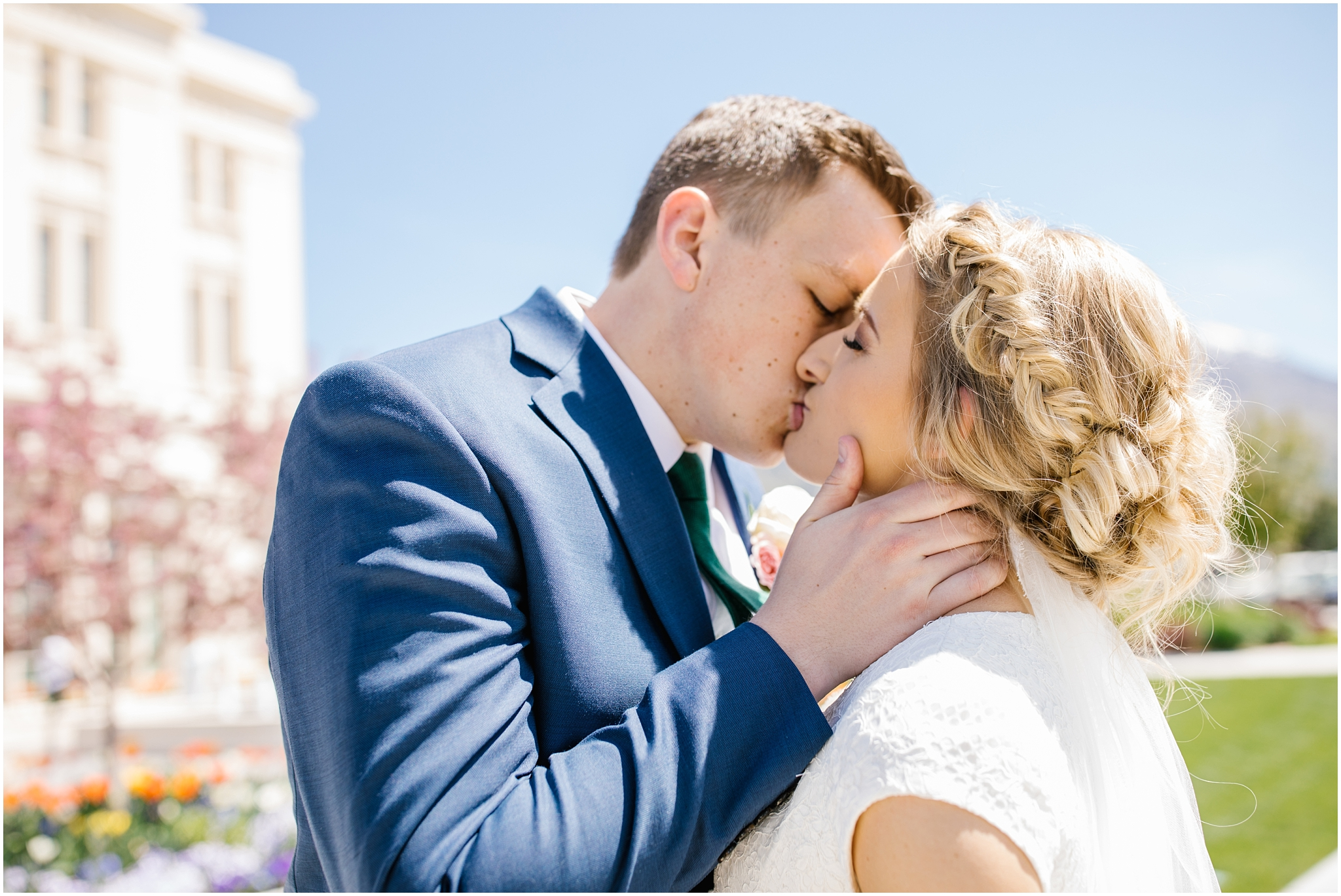 Lizzie-B-Imagery-Utah-Wedding-Photographer-Thanksgiving-Point-Payson-Temple_0071.jpg
