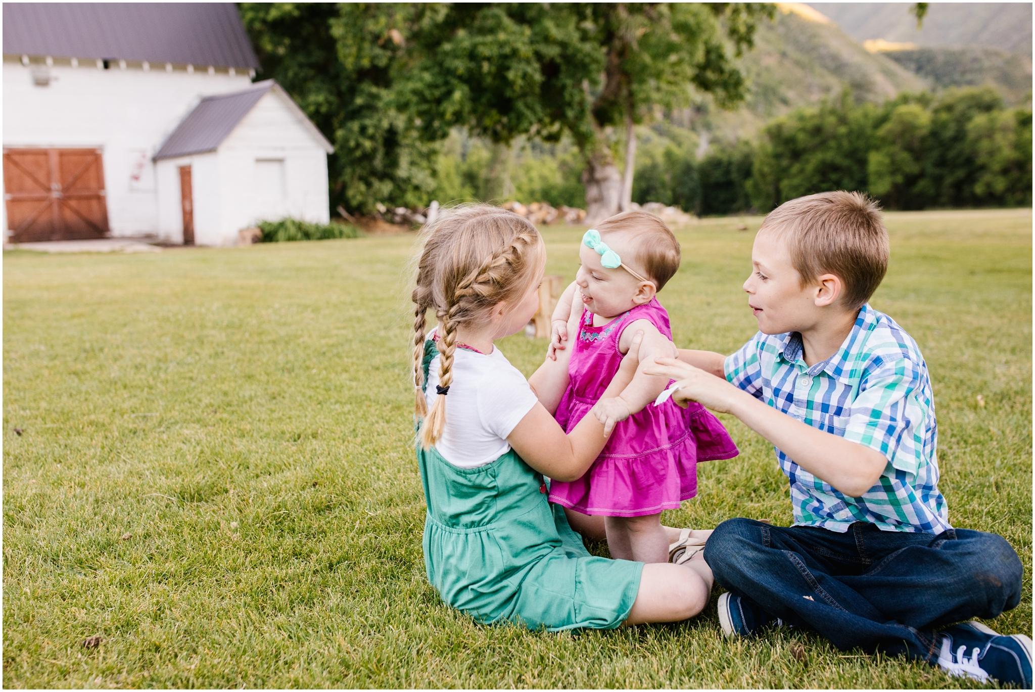 Lizzie-B-Imagery-Utah-Family-Photographer-Utah-County-Photographer-Hobble-Creek-Canyon_0028.jpg