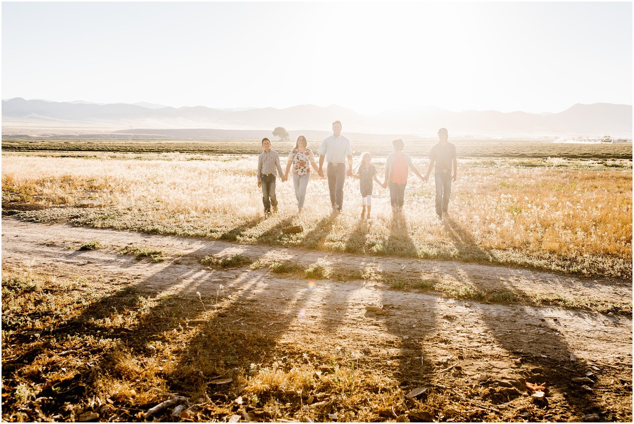 Blackburn--93_Lizzie-B-Imagery-Utah-Family-Photographer-Central-Utah-Photographer-Utah-County-Extended-Family.jpg
