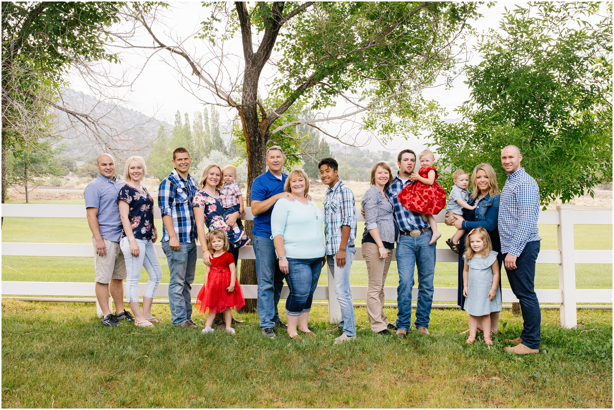 Brinkerhoff-13_Lizzie-B-Imagery-Utah-Family-Photographer-Central-Utah-Photographer-Utah-County-Extended-Family-Session.jpg