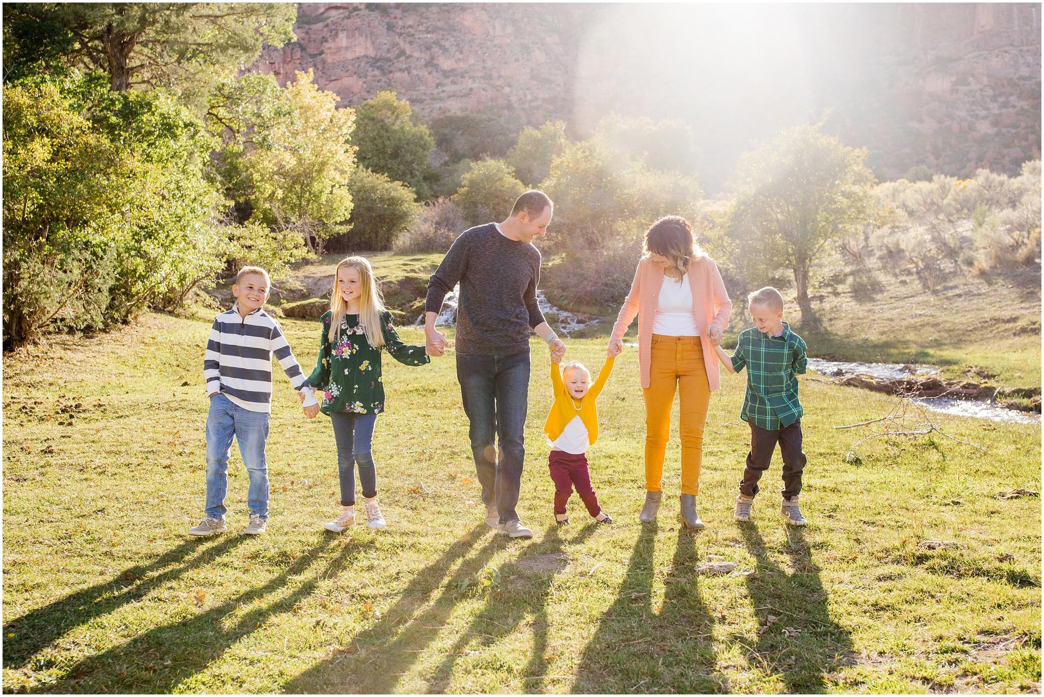 CominMini-25_Lizzie-B-Imagery-Utah-Family-Photographer-Utah-County-Central-Utah-Park-City-Salt-Lake-City.jpg