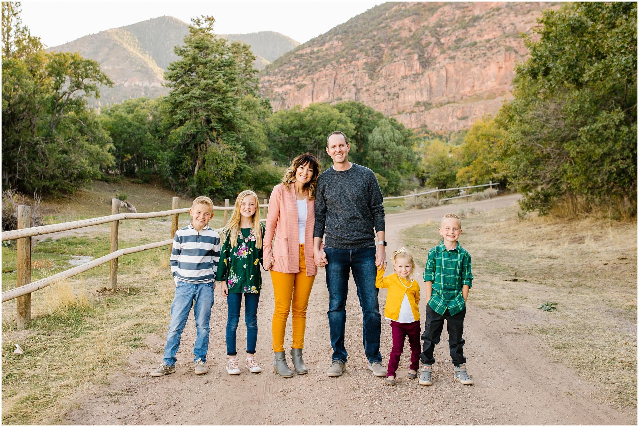 CominMini-36_Lizzie-B-Imagery-Utah-Family-Photographer-Utah-County-Central-Utah-Park-City-Salt-Lake-City.jpg