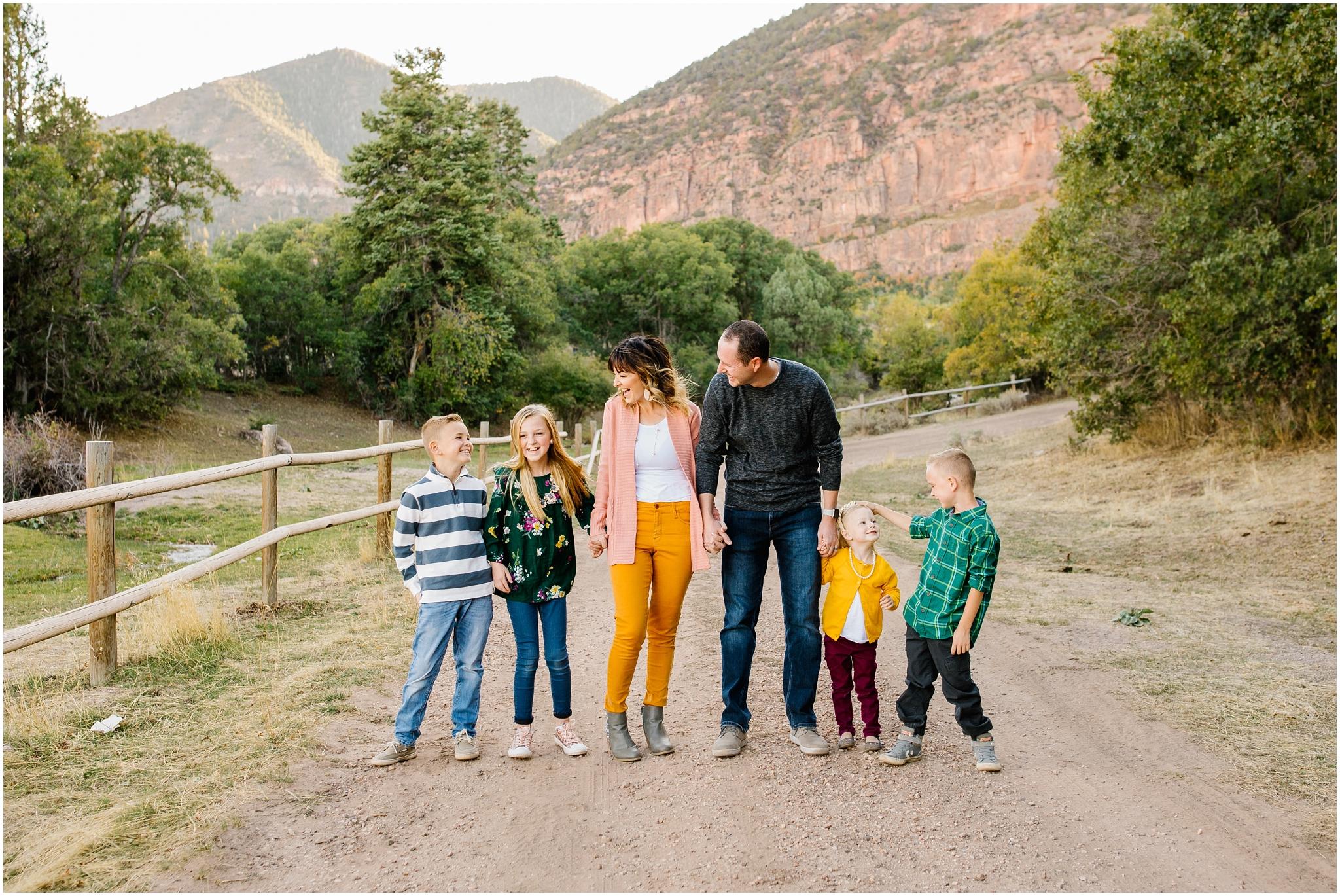 CominMini-41_Lizzie-B-Imagery-Utah-Family-Photographer-Utah-County-Central-Utah-Park-City-Salt-Lake-City.jpg