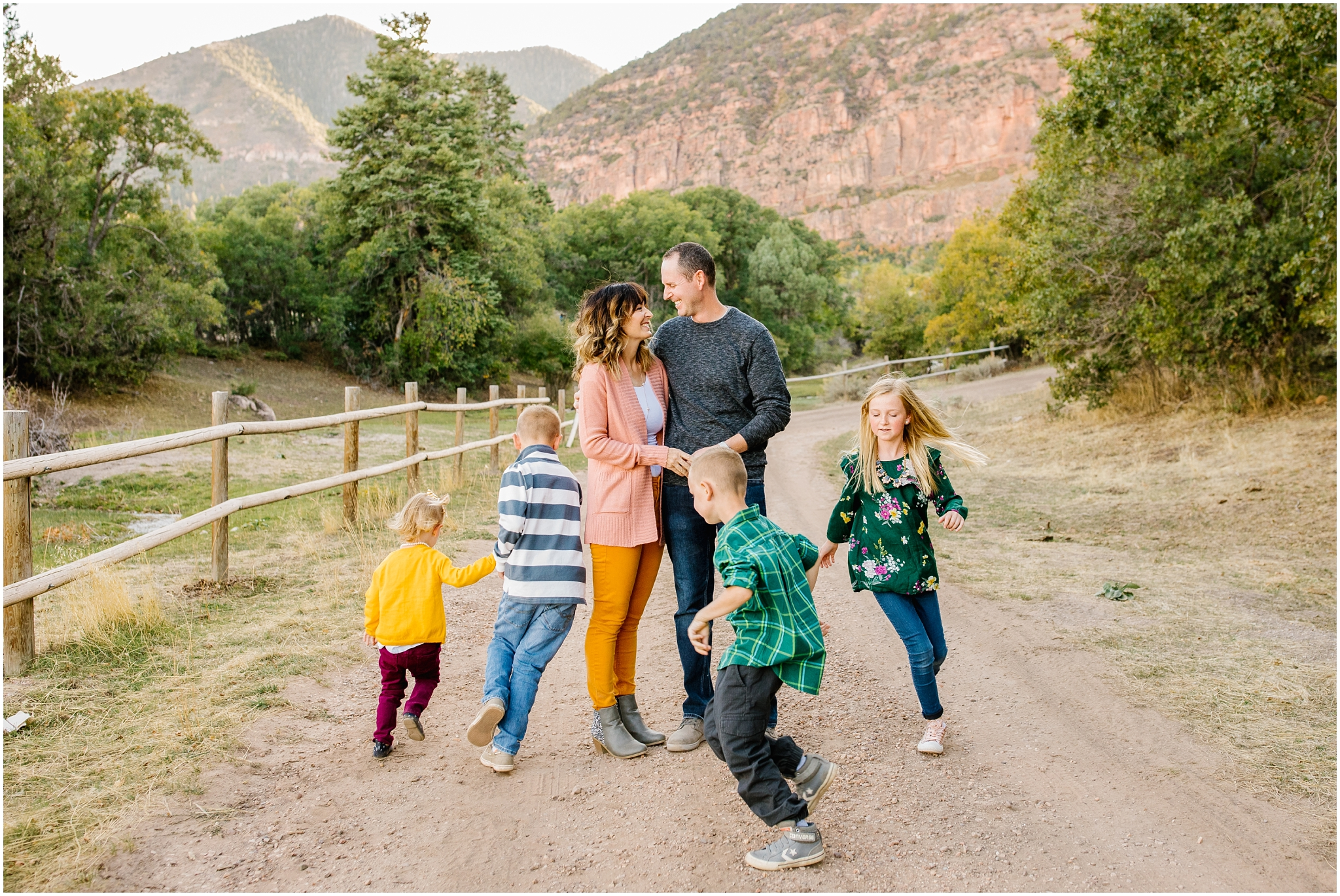 CominMini-44_Lizzie-B-Imagery-Utah-Family-Photographer-Utah-County-Central-Utah-Park-City-Salt-Lake-City.jpg