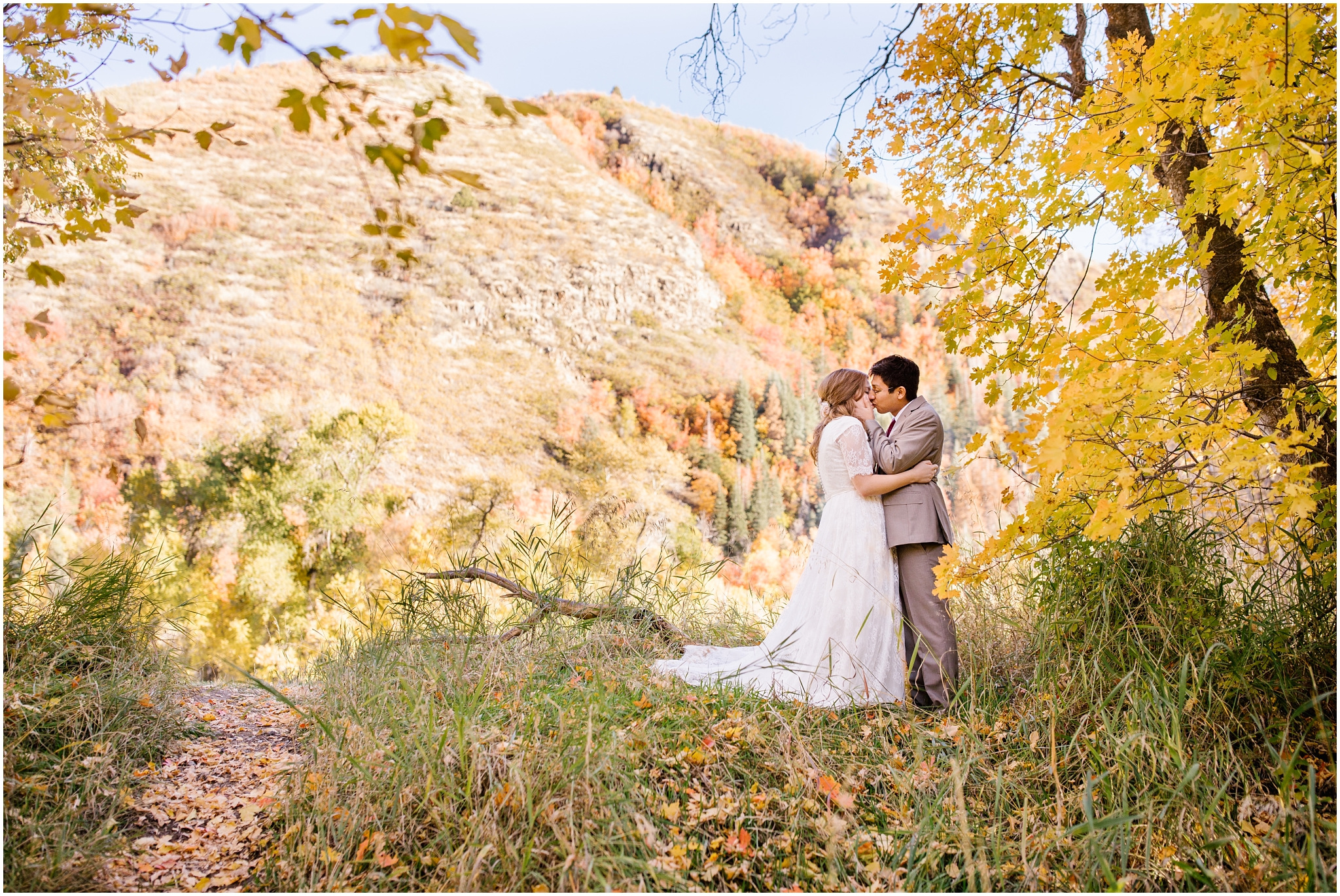 HE-BRIDALS-34_Lizzie-B-Imagery-Utah-Wedding-Photographer-Central-Utah-Park-City-Salt-Lake-City-Hobble-Creek-Canyon-Springville.jpg