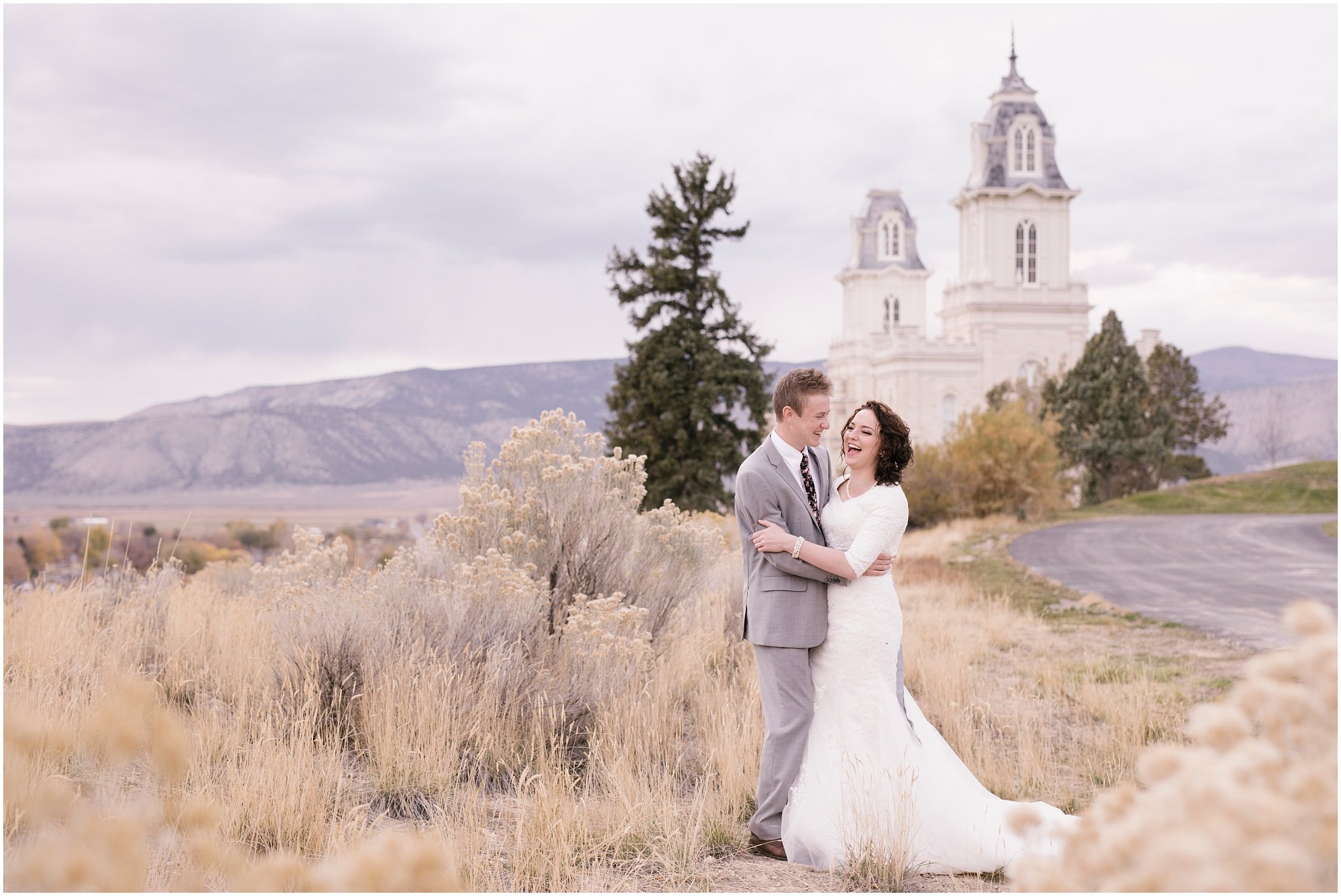BA-Bridals-64_Lizzie-B-Imagery-Utah-Wedding-Photographer-Central-Utah-Photographer-Utah-County-Manti-Utah-Temple.jpg