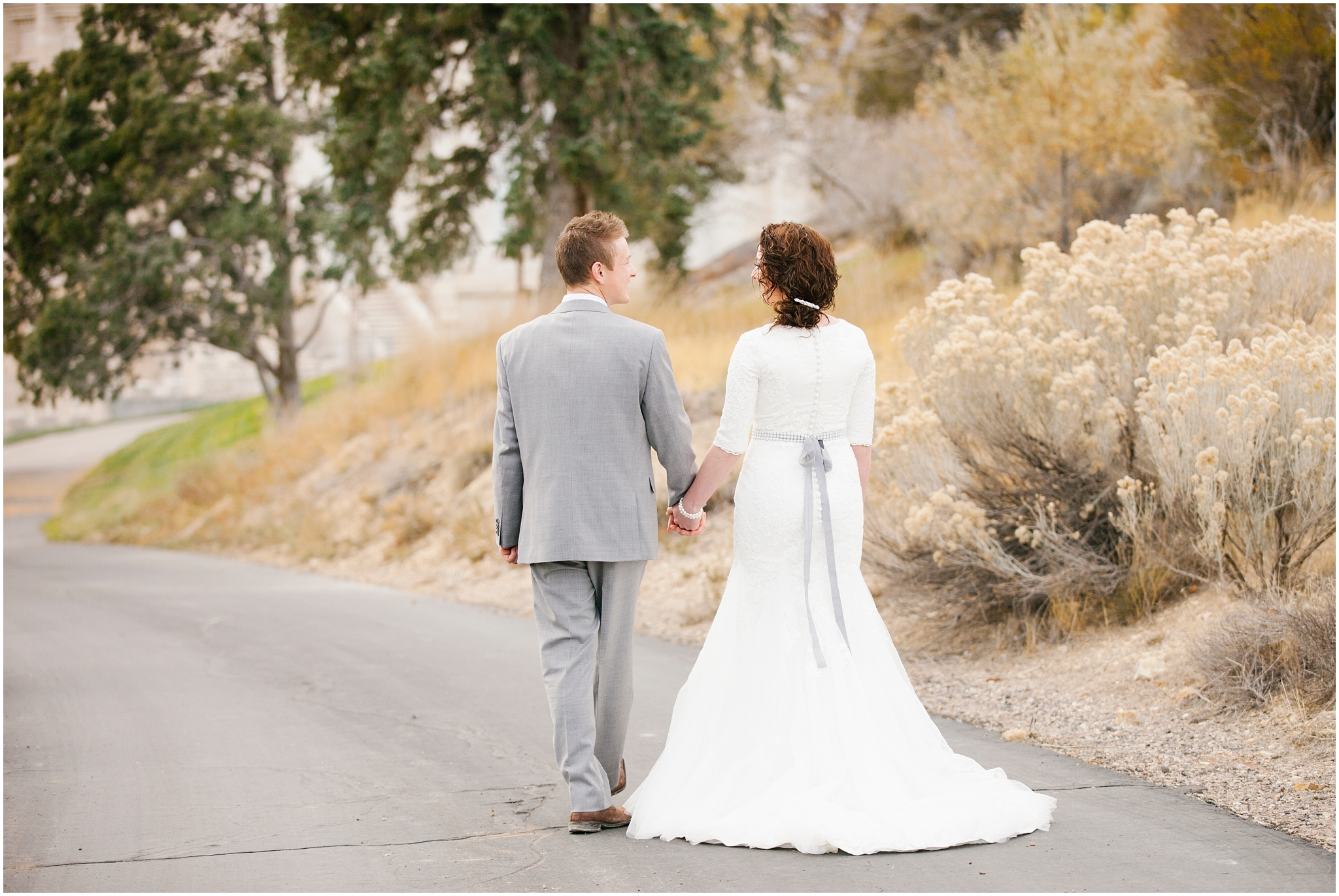 BA-Bridals-176_Lizzie-B-Imagery-Utah-Wedding-Photographer-Central-Utah-Photographer-Utah-County-Manti-Utah-Temple.jpg