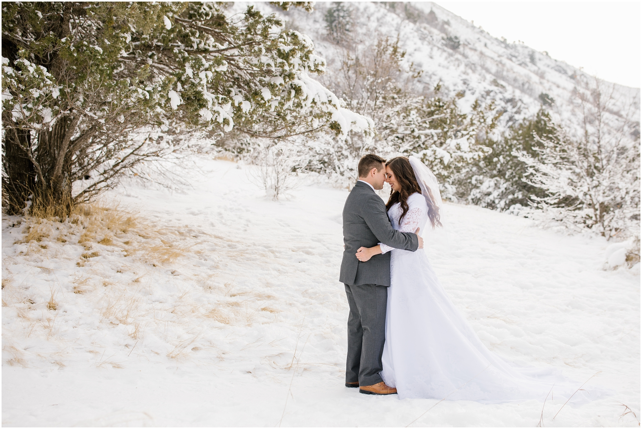 SSBridals-13_Lizzie-B-Imagery-Utah-Wedding-Photographer-Salt-Lake-City-Park-City-Logan-Utah-Temple.jpg