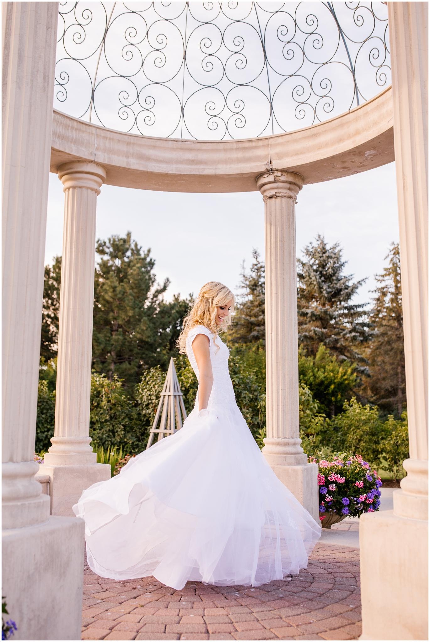 CHBridals-44_Lizzie-B-Imagery-Utah-Wedding-Photographer-Salt-Lake-City-Park-City-Thanksgiving-Point-Ashton-Gardens.jpg