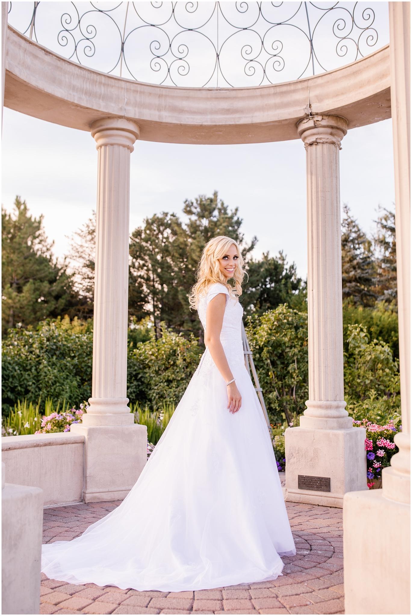 CHBridals-50_Lizzie-B-Imagery-Utah-Wedding-Photographer-Salt-Lake-City-Park-City-Thanksgiving-Point-Ashton-Gardens.jpg