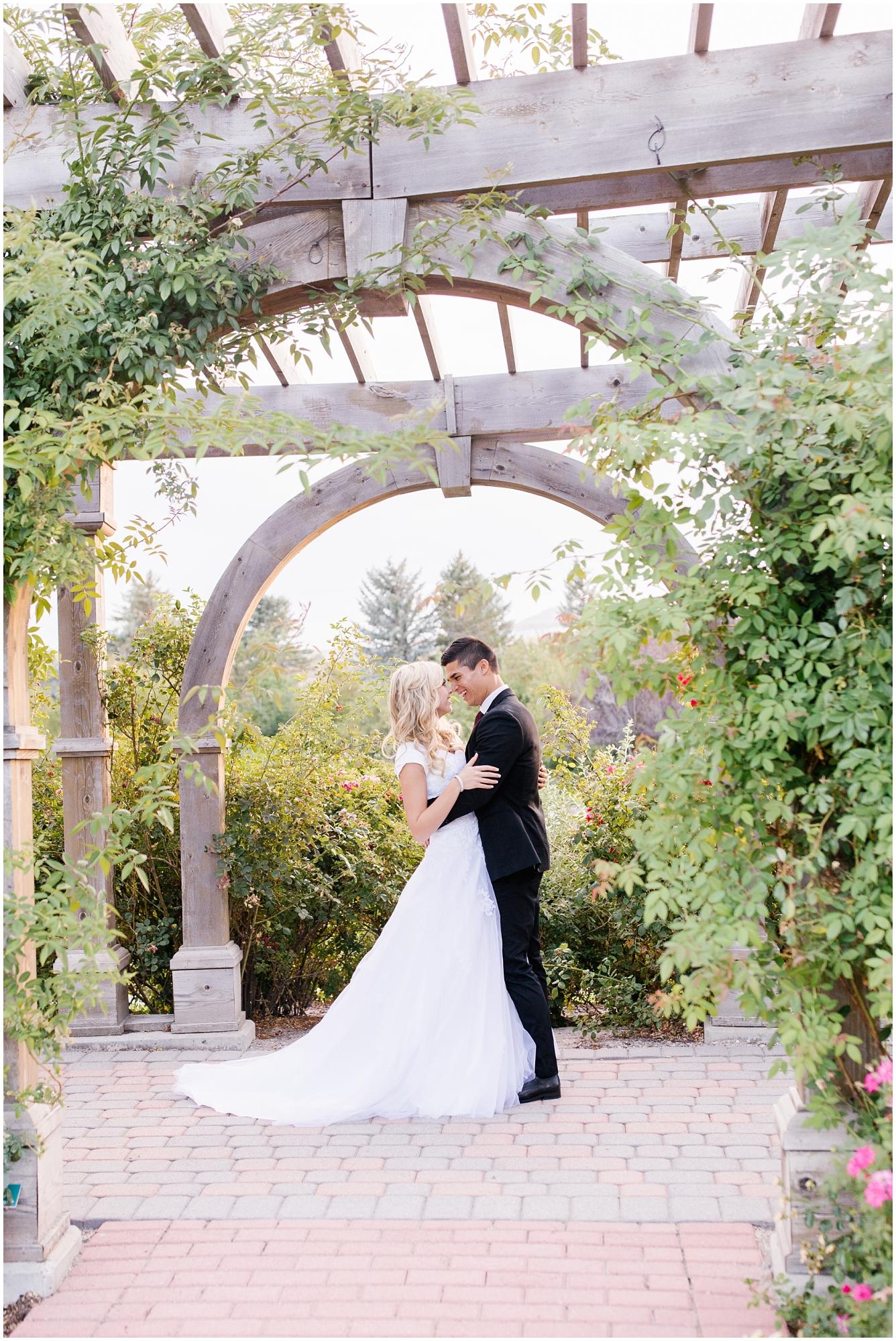 CHBridals-120_Lizzie-B-Imagery-Utah-Wedding-Photographer-Salt-Lake-City-Park-City-Thanksgiving-Point-Ashton-Gardens.jpg
