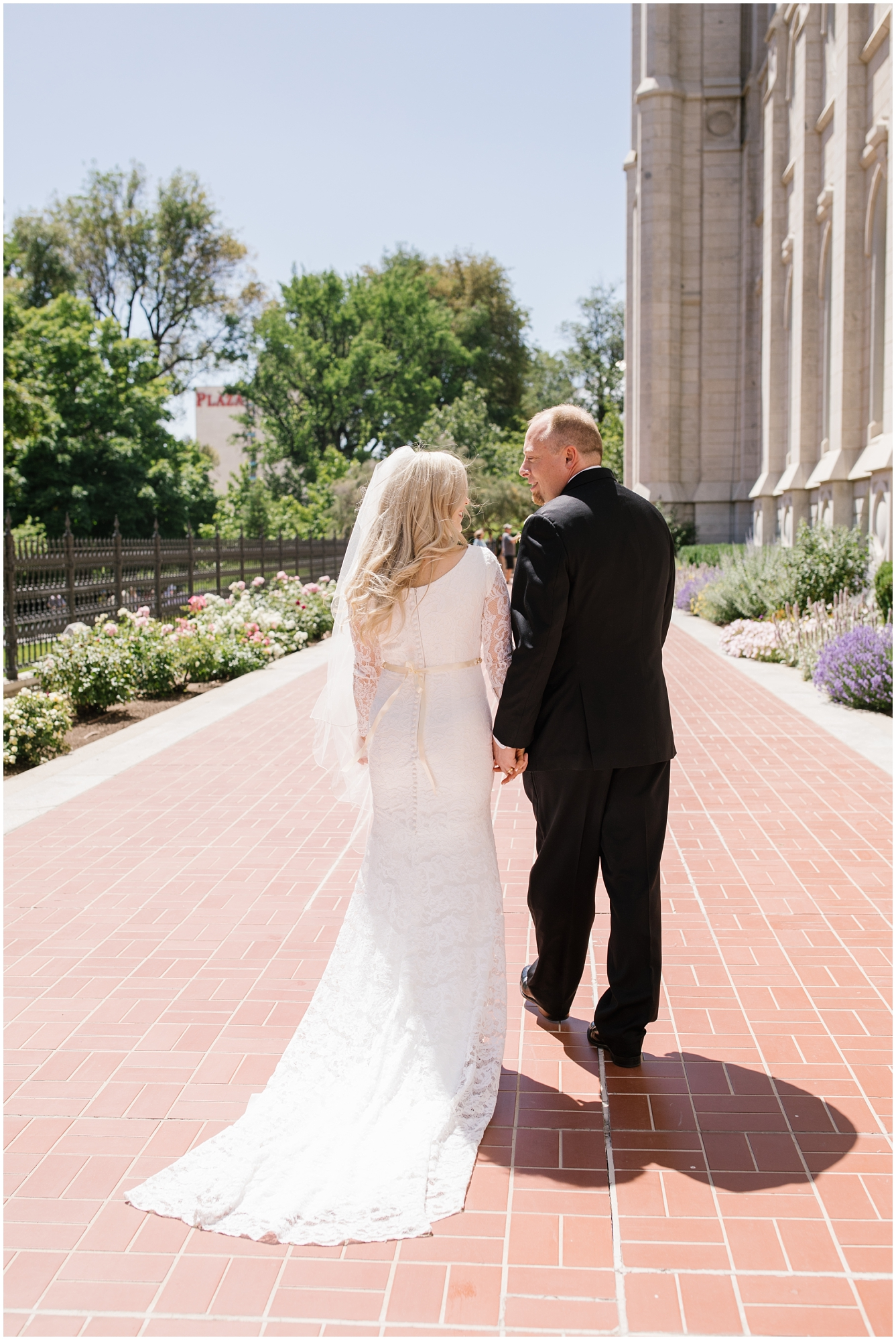 CherylandTyler-180_Lizzie-B-Imagery-Utah-Wedding-Photographer-Park-City-Salt-Lake-City-Temple-Wells-Fargo-Building.jpg