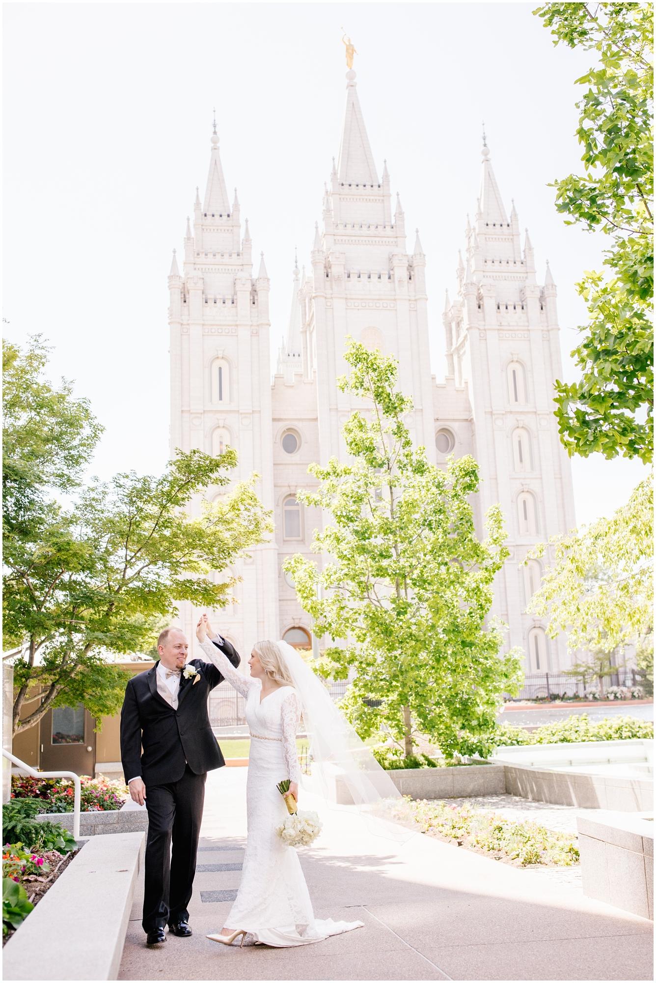 CherylandTyler-243_Lizzie-B-Imagery-Utah-Wedding-Photographer-Park-City-Salt-Lake-City-Temple-Wells-Fargo-Building.jpg