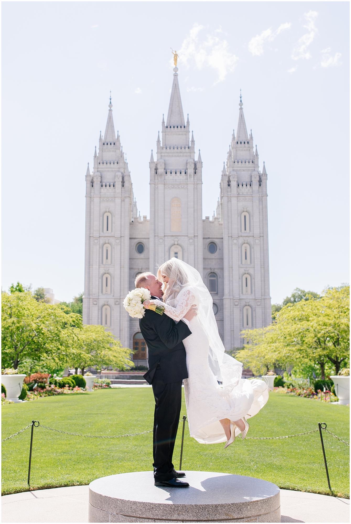CherylandTyler-305_Lizzie-B-Imagery-Utah-Wedding-Photographer-Park-City-Salt-Lake-City-Temple-Wells-Fargo-Building.jpg