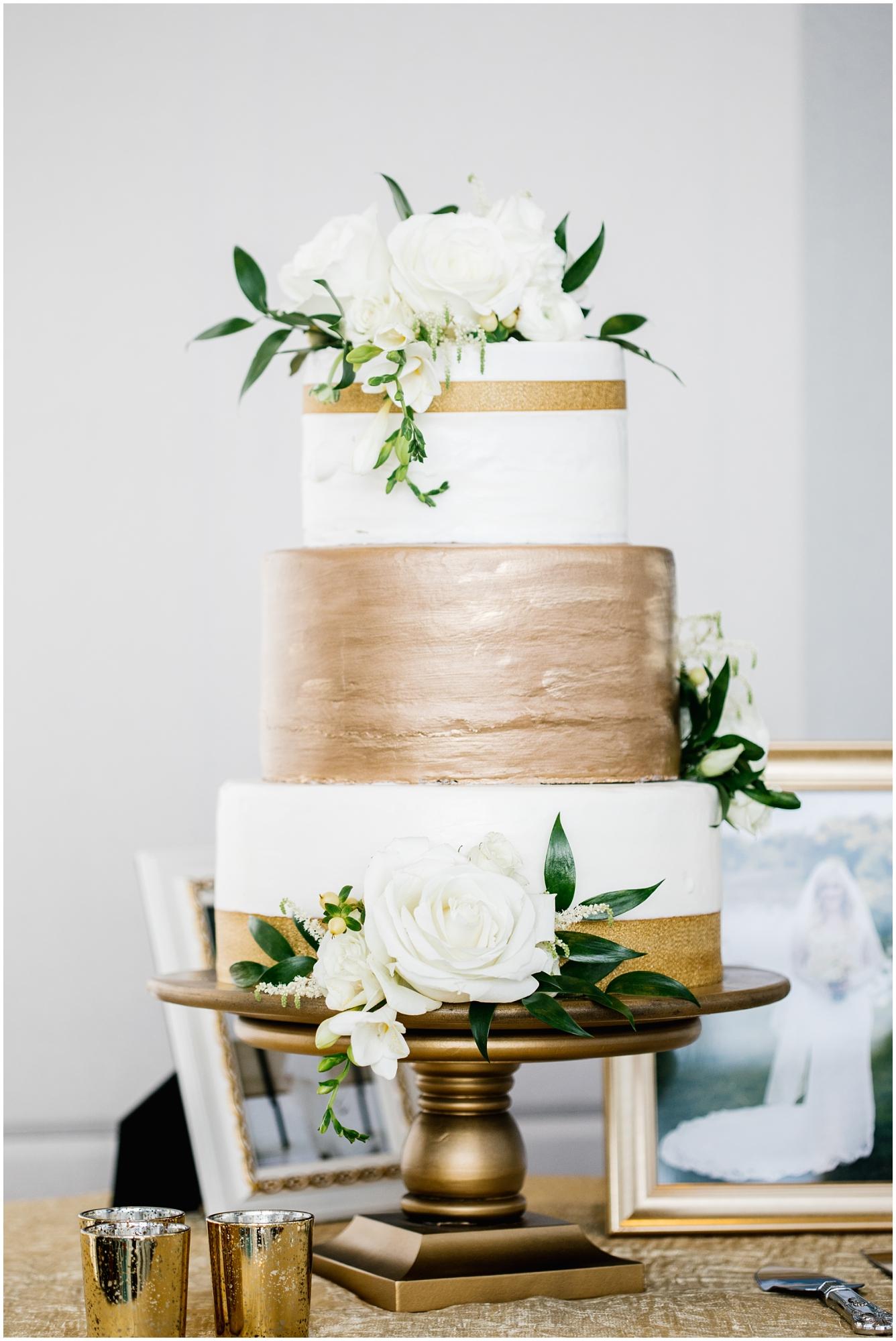CherylandTyler-466_Lizzie-B-Imagery-Utah-Wedding-Photographer-Park-City-Salt-Lake-City-Temple-Wells-Fargo-Building.jpg