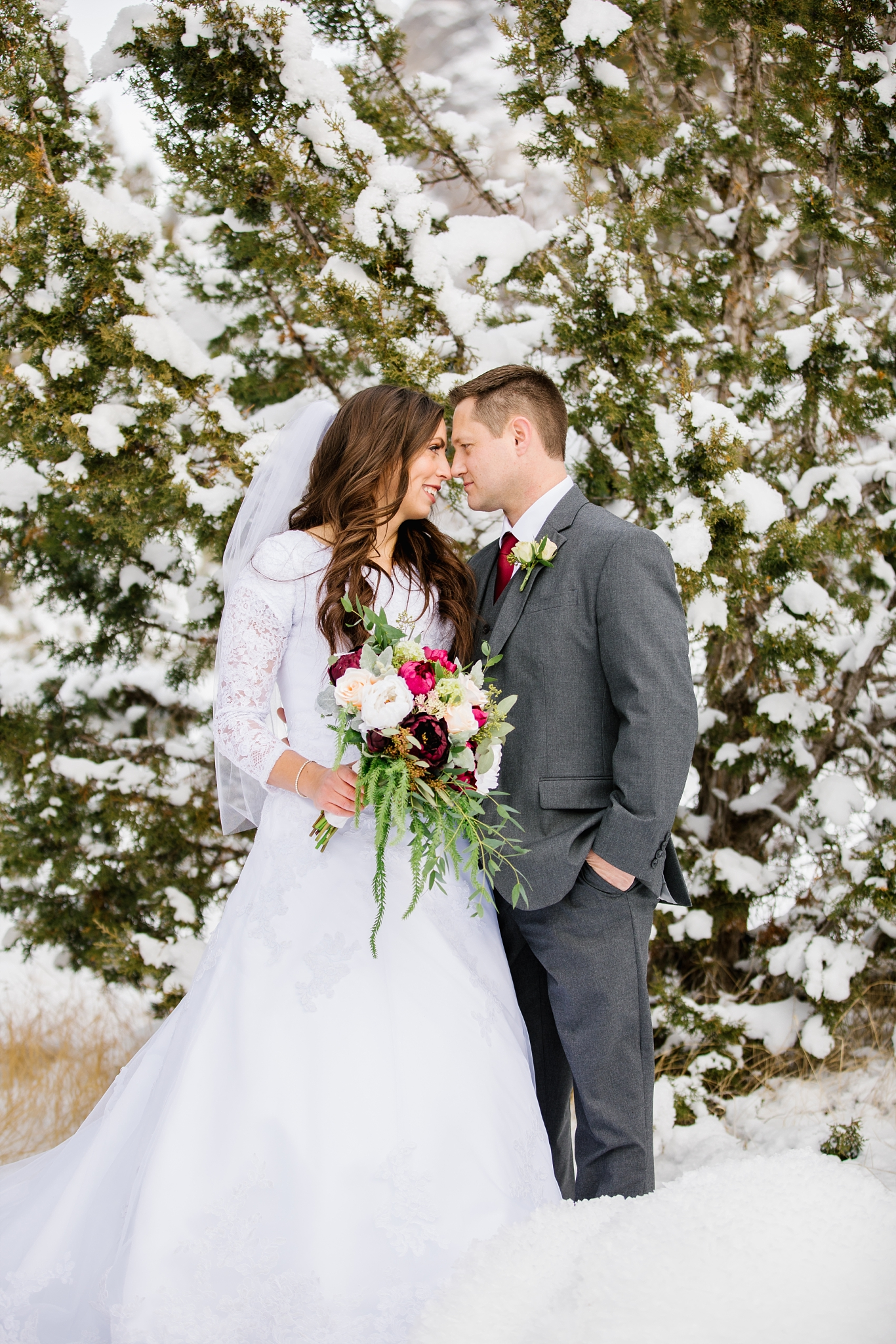 SSBridals-51_Lizzie-B-Imagery-Utah-Wedding-Photographer-Logan-Temple-Logan-Canyon-Mountain-Horse-Session.jpg
