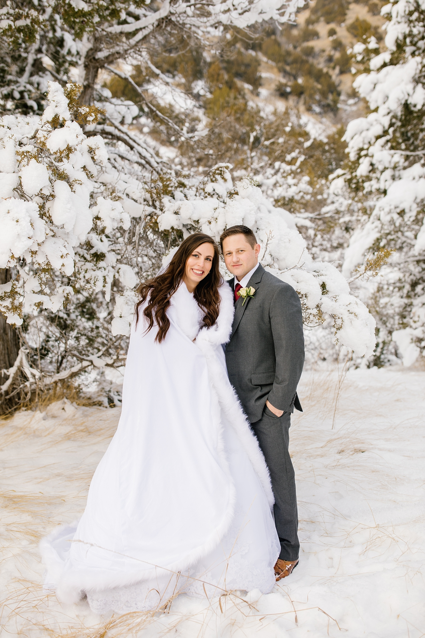 SSBridals-78_Lizzie-B-Imagery-Utah-Wedding-Photographer-Logan-Temple-Logan-Canyon-Mountain-Horse-Session.jpg