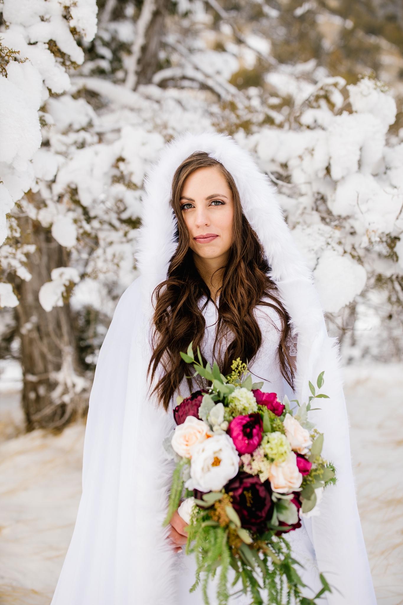 SSBridals-85_Lizzie-B-Imagery-Utah-Wedding-Photographer-Logan-Temple-Logan-Canyon-Mountain-Horse-Session.jpg