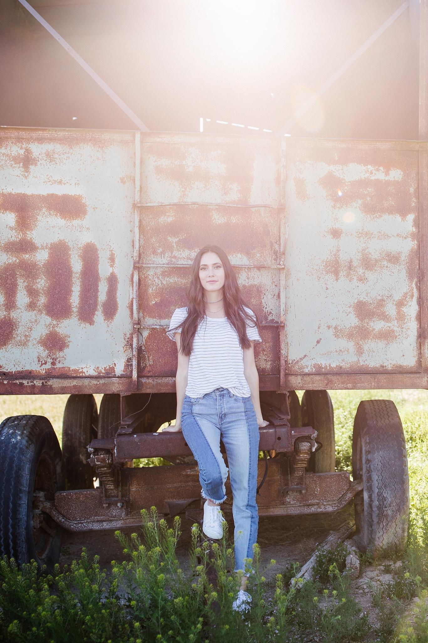 Audrey-9_Lizzie-B-Imagery-Utah-Family-Photographer-Central-Utah-Senior-Photography.jpg