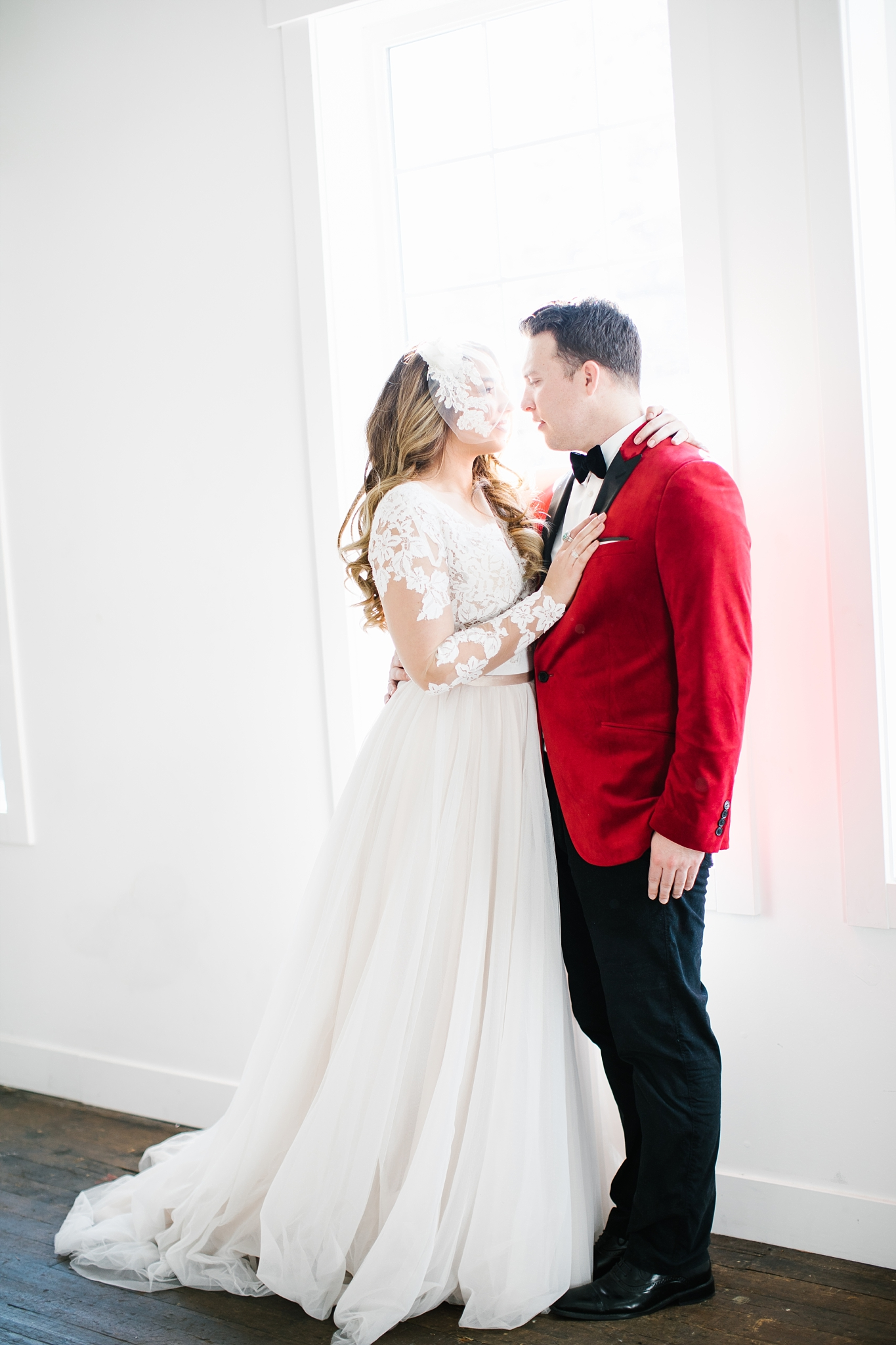 748A1052-Edit-40_Lizzie-B-Imagery-Utah-Wedding-Photographer-Park-City-Wedding-Photographer-The-Loft-Studio-Lehi-Utah.jpg
