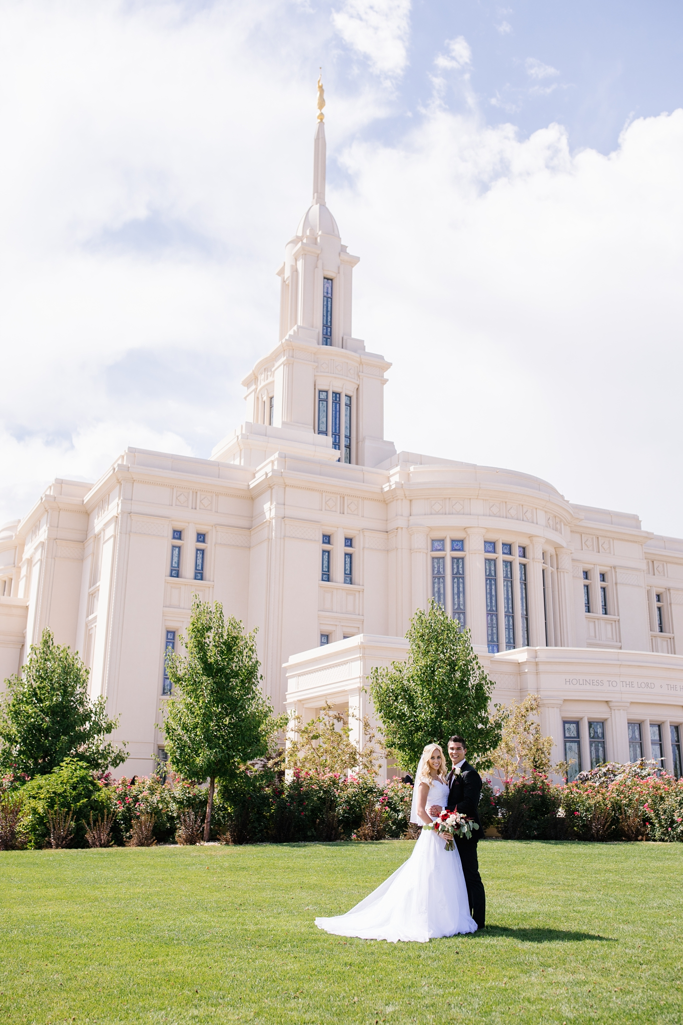 HannahChaseWedding-158_Lizzie-B-Imagery-Utah-Wedding-Photographer-Bridal-Photography-Payson-Utah-Temple-Clarion-Gardens-Catering-and-Events-Center.jpg