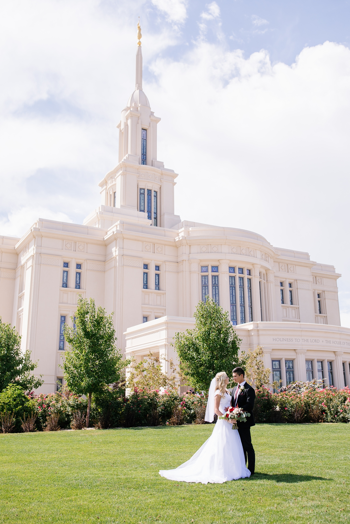 HannahChaseWedding-160_Lizzie-B-Imagery-Utah-Wedding-Photographer-Bridal-Photography-Payson-Utah-Temple-Clarion-Gardens-Catering-and-Events-Center.jpg