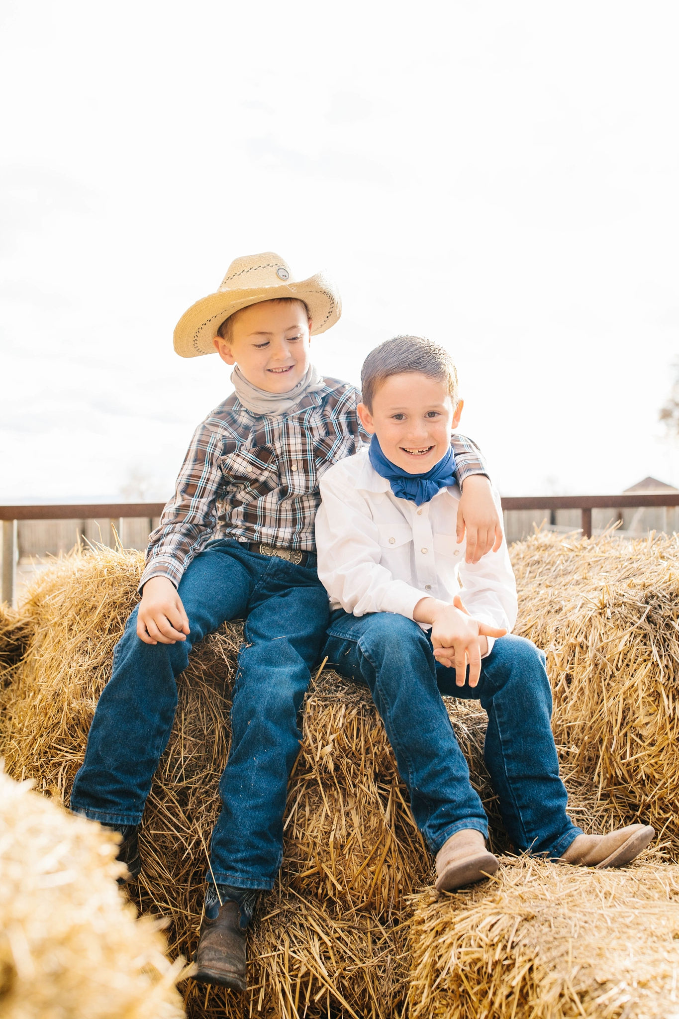 Lister-23_Lizzie-B-Imagery-Utah-Family-Photographer-Lifestyle-Photography-Salt-Lake-City-Park-City-Utah-County-Farm-Family-Session.jpg