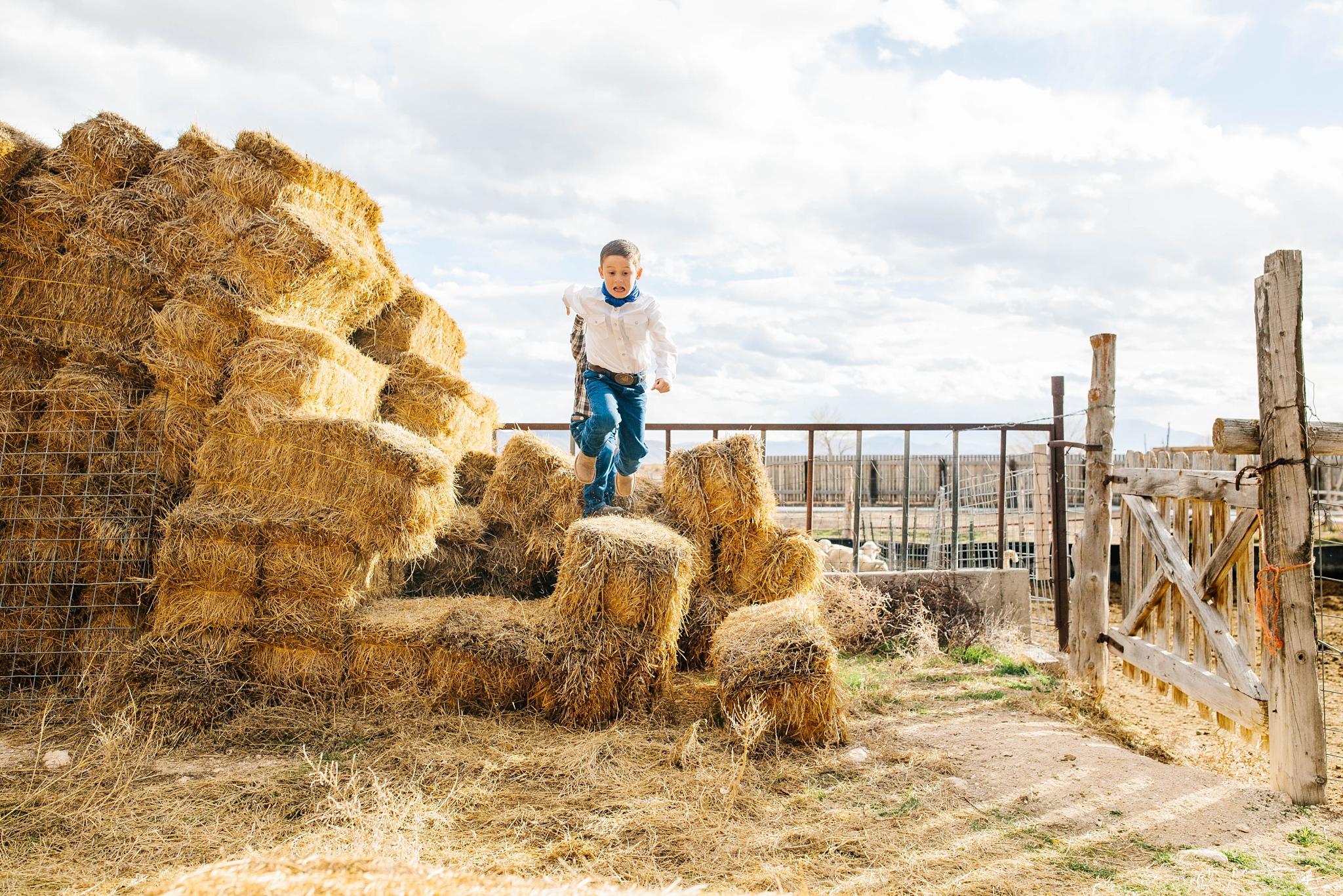 Lister-26_Lizzie-B-Imagery-Utah-Family-Photographer-Lifestyle-Photography-Salt-Lake-City-Park-City-Utah-County-Farm-Family-Session.jpg