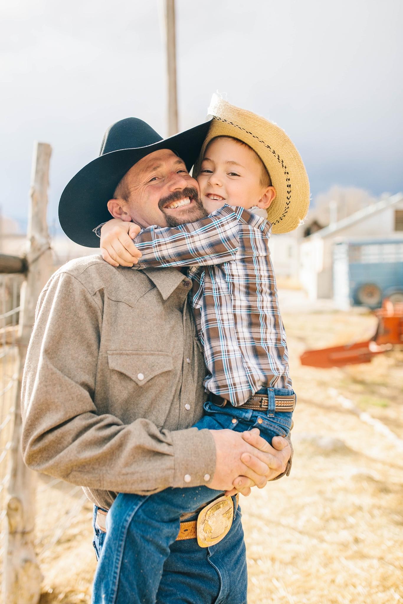 Lister-35_Lizzie-B-Imagery-Utah-Family-Photographer-Lifestyle-Photography-Salt-Lake-City-Park-City-Utah-County-Farm-Family-Session.jpg
