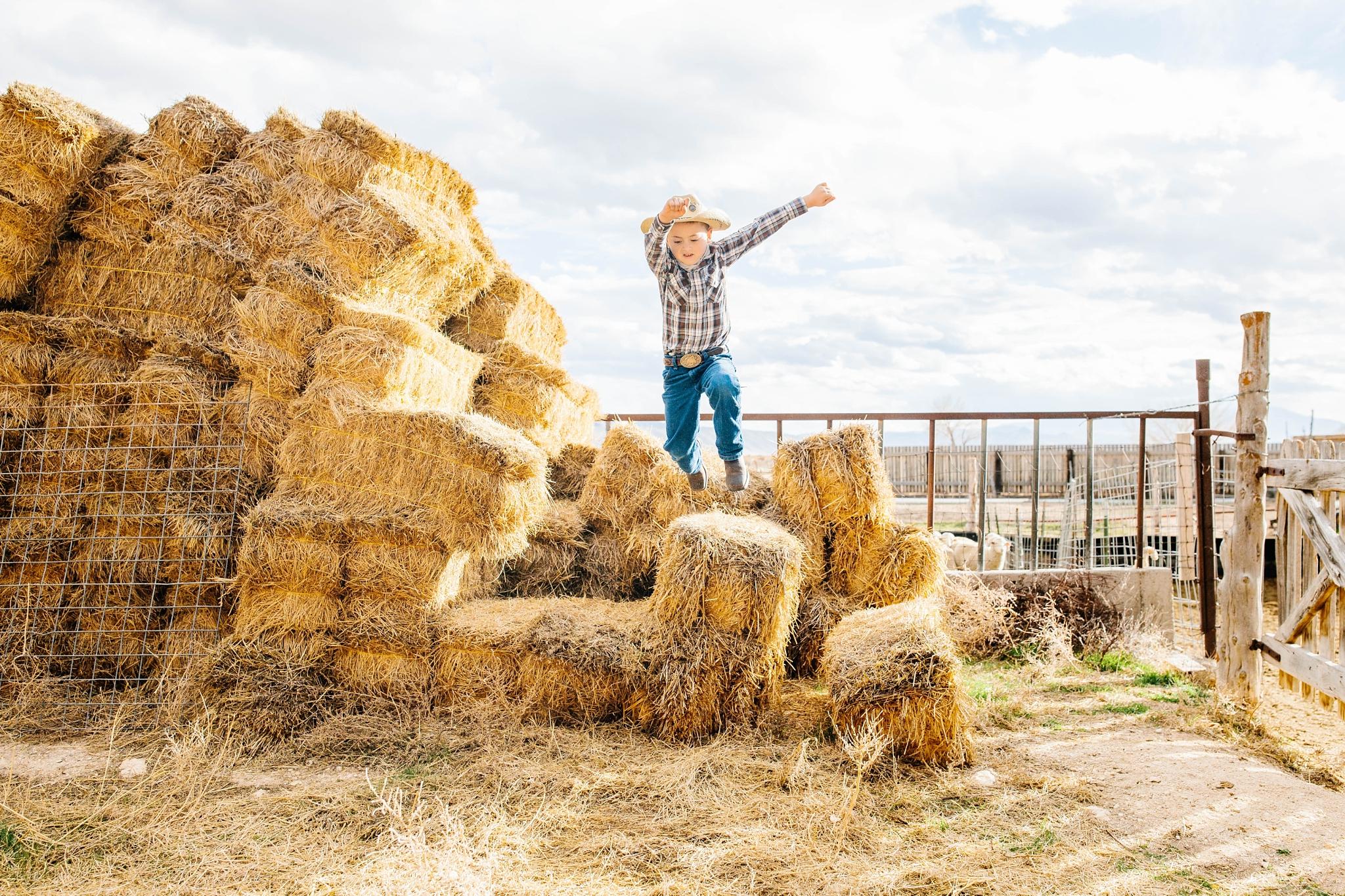 Lister-28_Lizzie-B-Imagery-Utah-Family-Photographer-Lifestyle-Photography-Salt-Lake-City-Park-City-Utah-County-Farm-Family-Session.jpg