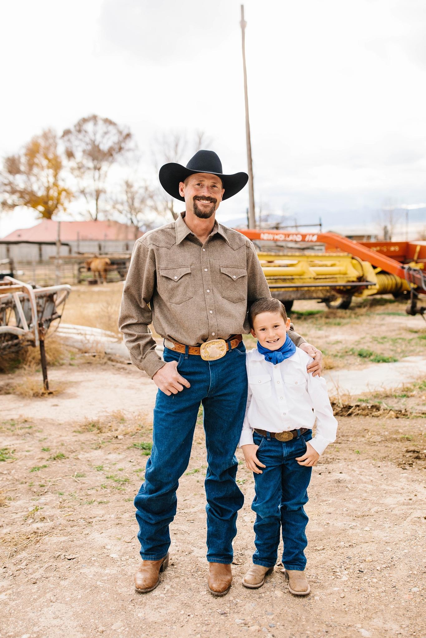 Lister-41_Lizzie-B-Imagery-Utah-Family-Photographer-Lifestyle-Photography-Salt-Lake-City-Park-City-Utah-County-Farm-Family-Session.jpg