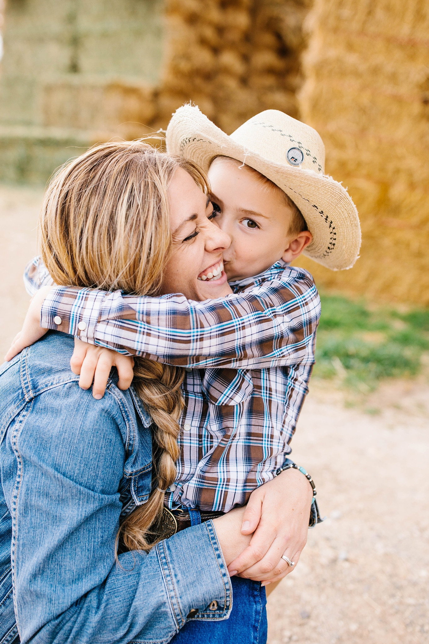 Lister-48_Lizzie-B-Imagery-Utah-Family-Photographer-Lifestyle-Photography-Salt-Lake-City-Park-City-Utah-County-Farm-Family-Session.jpg