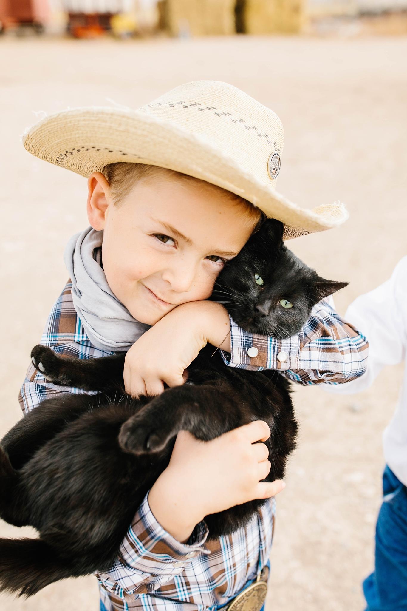 Lister-71_Lizzie-B-Imagery-Utah-Family-Photographer-Lifestyle-Photography-Salt-Lake-City-Park-City-Utah-County-Farm-Family-Session.jpg