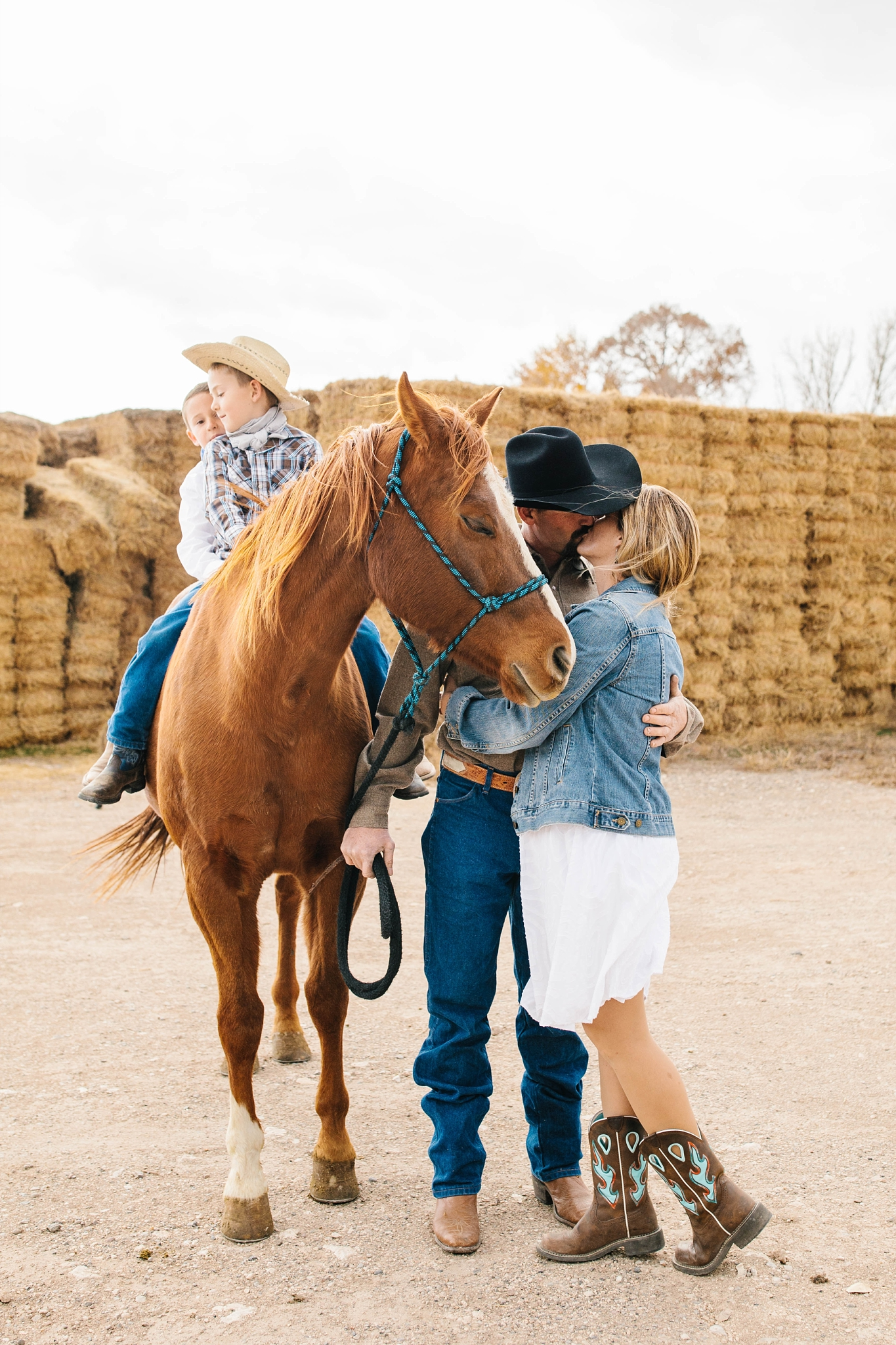 Lister-87_Lizzie-B-Imagery-Utah-Family-Photographer-Lifestyle-Photography-Salt-Lake-City-Park-City-Utah-County-Farm-Family-Session.jpg
