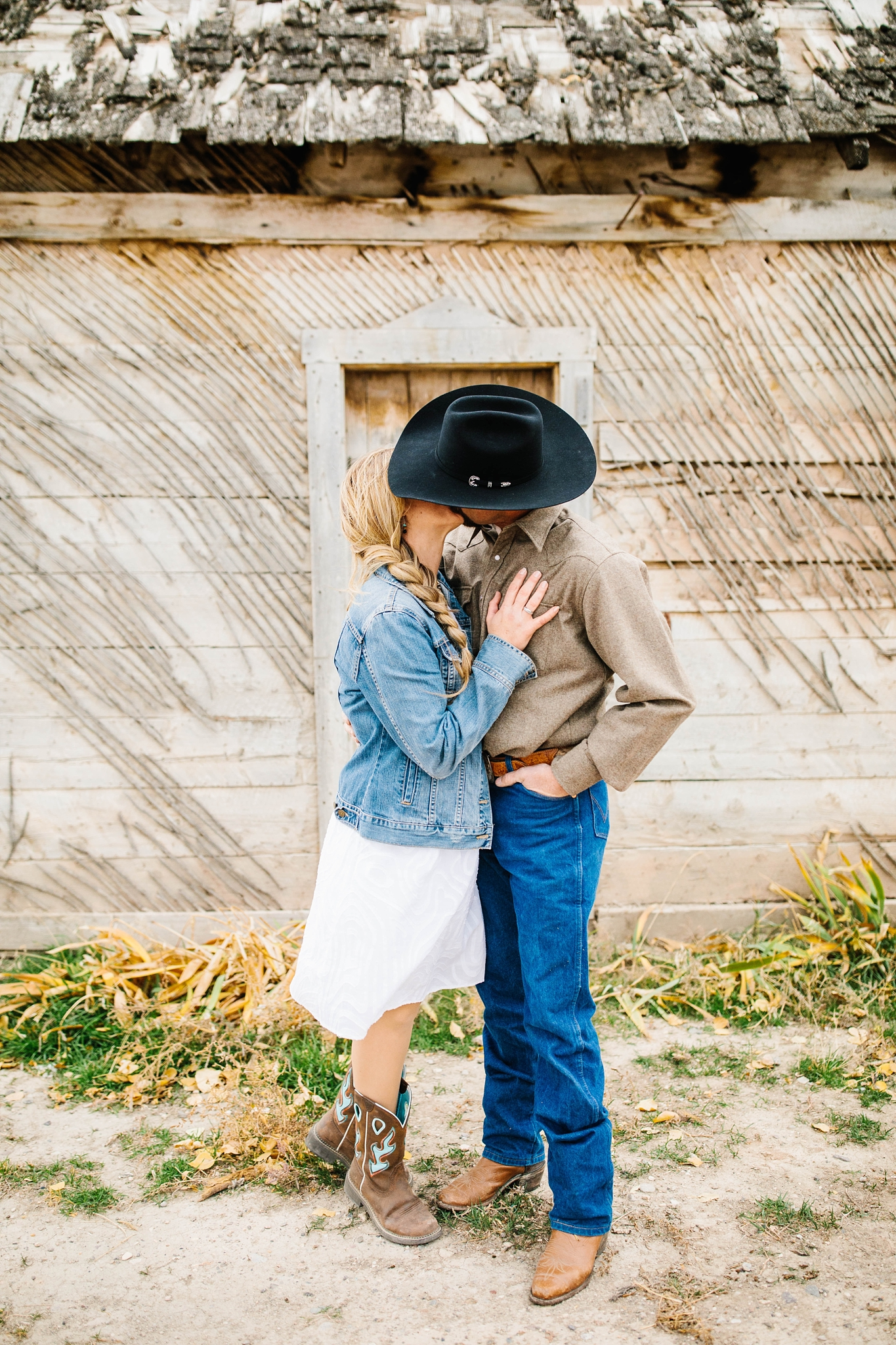 Lister-109_Lizzie-B-Imagery-Utah-Family-Photographer-Lifestyle-Photography-Salt-Lake-City-Park-City-Utah-County-Farm-Family-Session.jpg