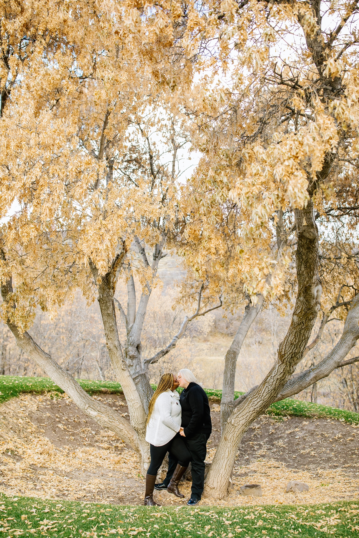 LisaTiffany2018-103_Lizzie-B-Imagery-Utah-Family-Photographer-Lifestyle-Photography-Salt-Lake-City-Park-City-Utah-County-Engagements-Wedding-Photographer.jpg