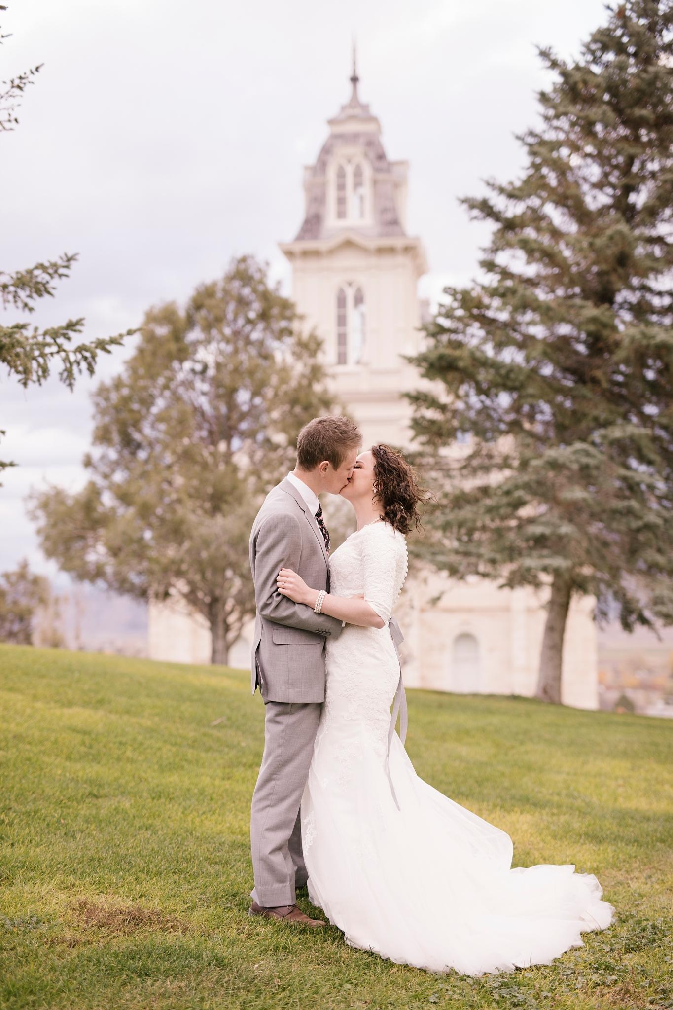 BA-Bridals-106_Lizzie-B-Imagery-Utah-Wedding-Photographer-Engagement-Photography-Salt-Lake-City-Park-City-Utah-County-Manti-Utah-Temple.jpg
