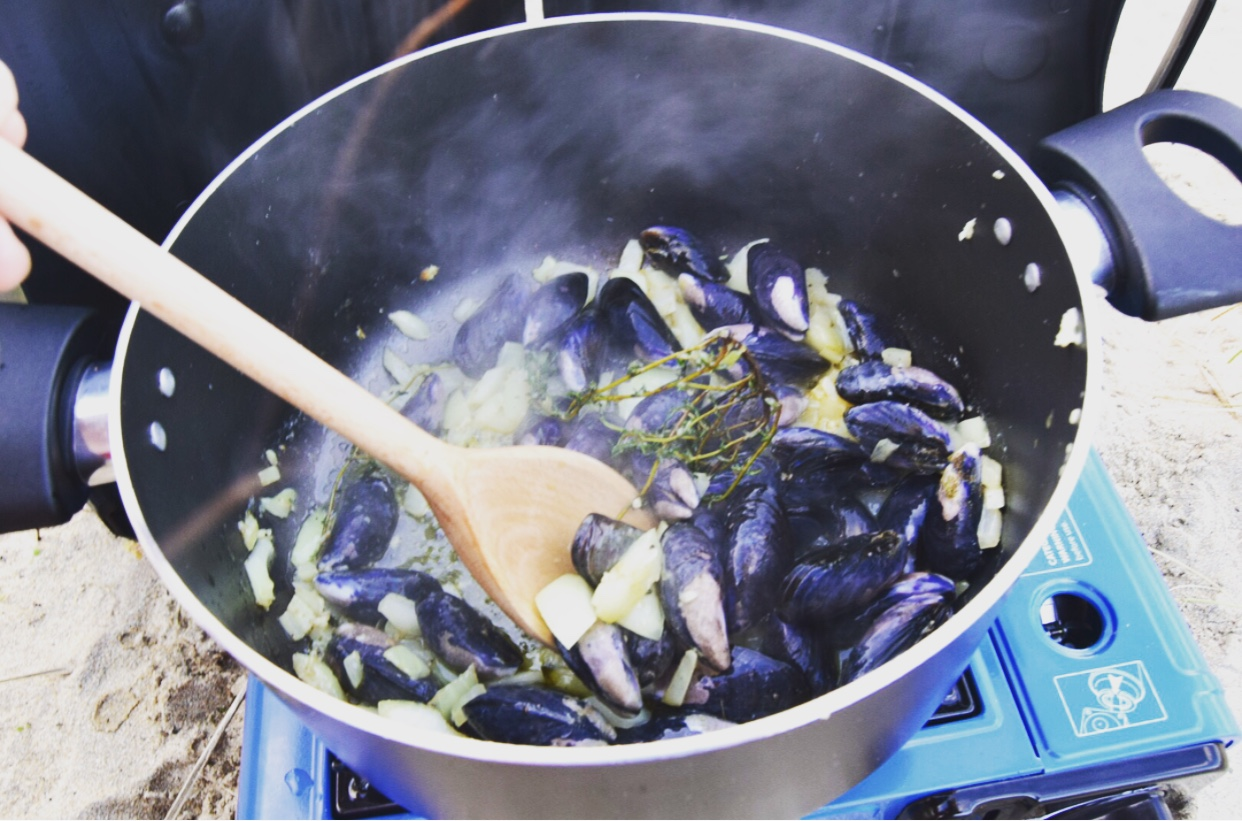 Sprig of thyme and the mussels
