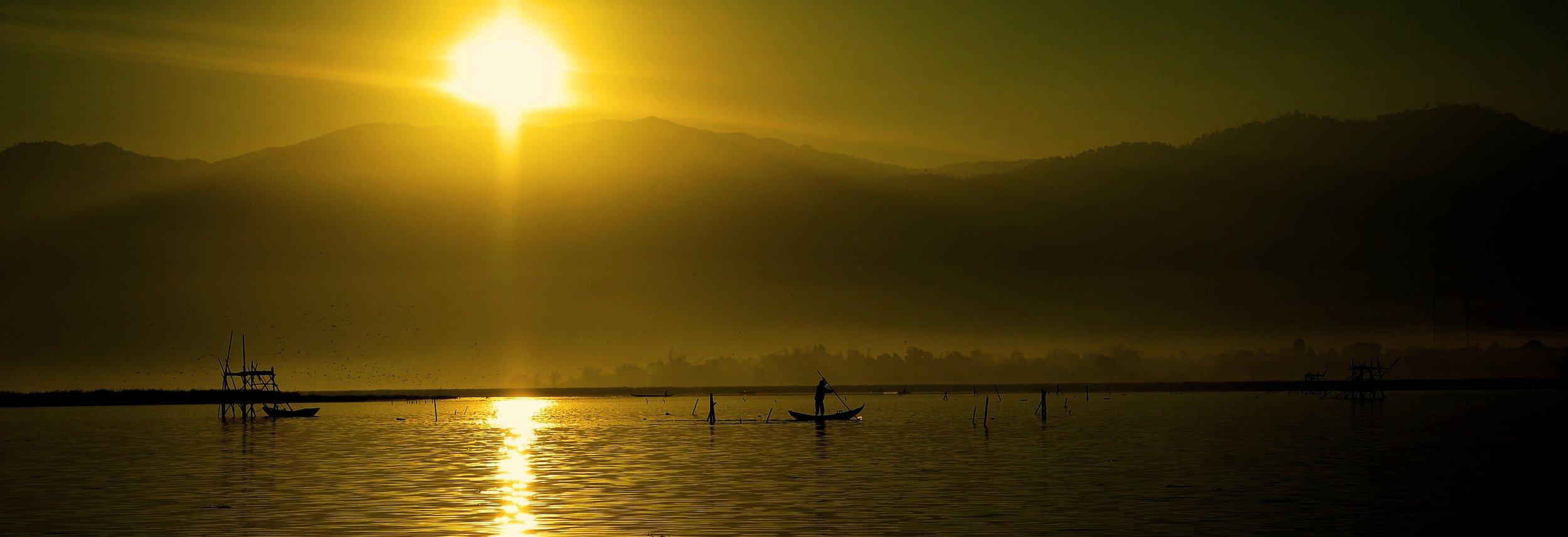 boats-dusk-fishing-88473.jpg