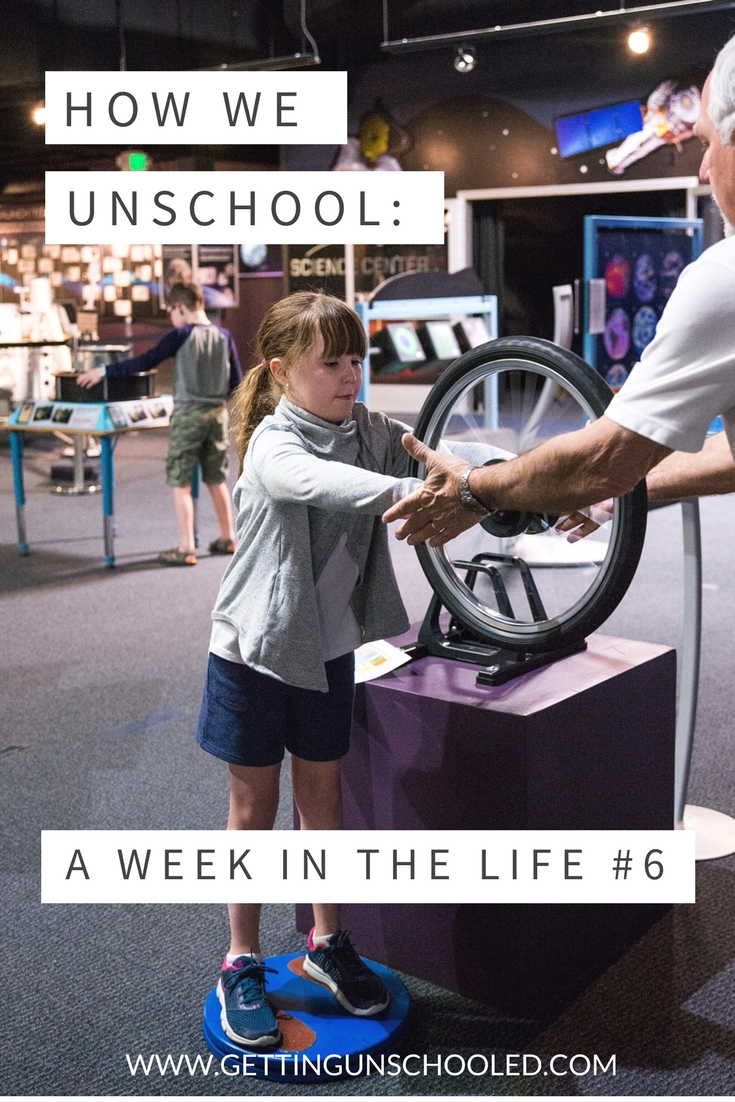 Ever wonder what unschooling curriculum looks like? Come check out our Week in the Life of an Unschooler series! It's full of GREAT ideas :)